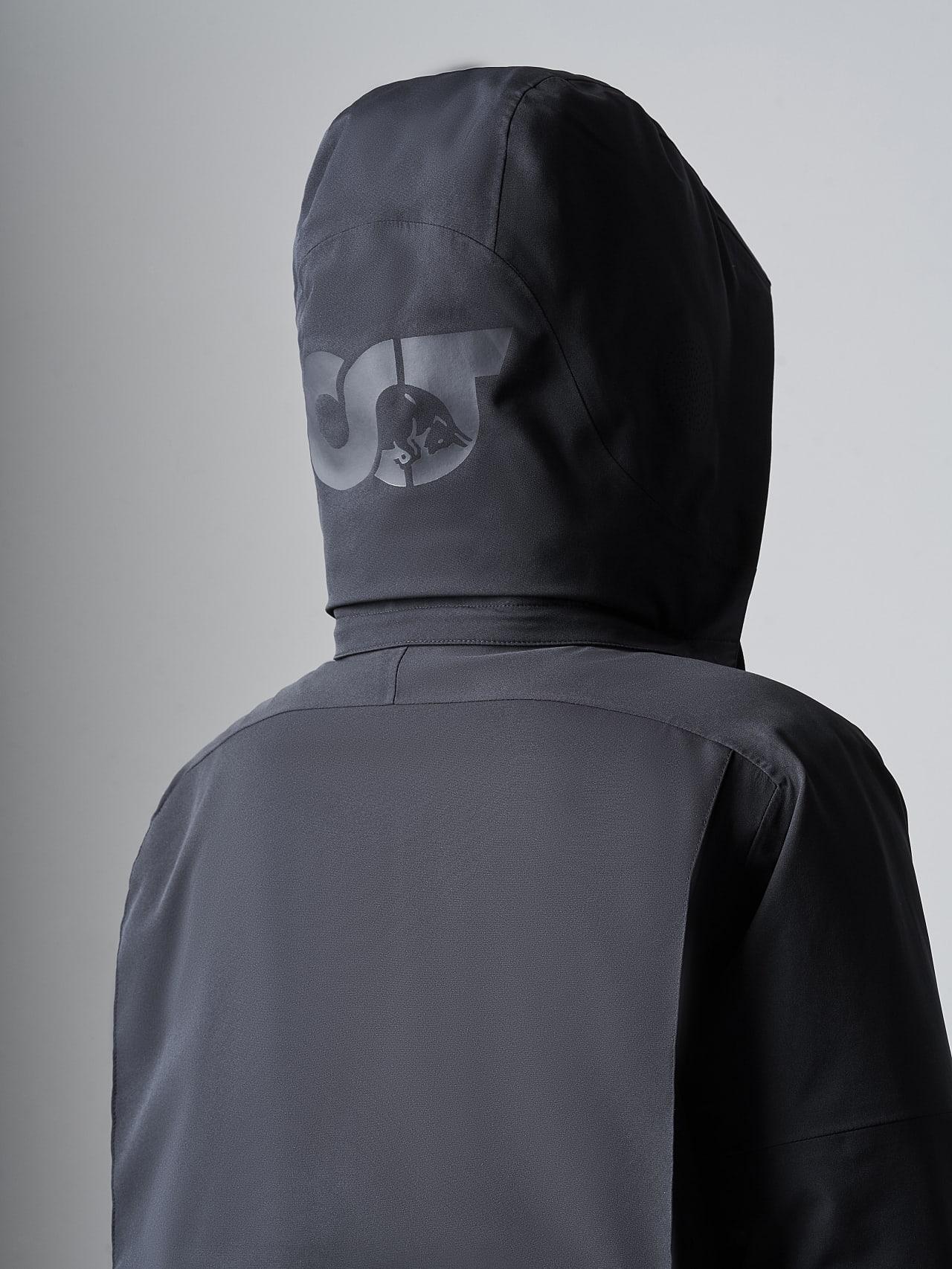 KUUV V2.Y4.02 Packable Waterproof Winter Parka black scene7.view.9.name Alpha Tauri