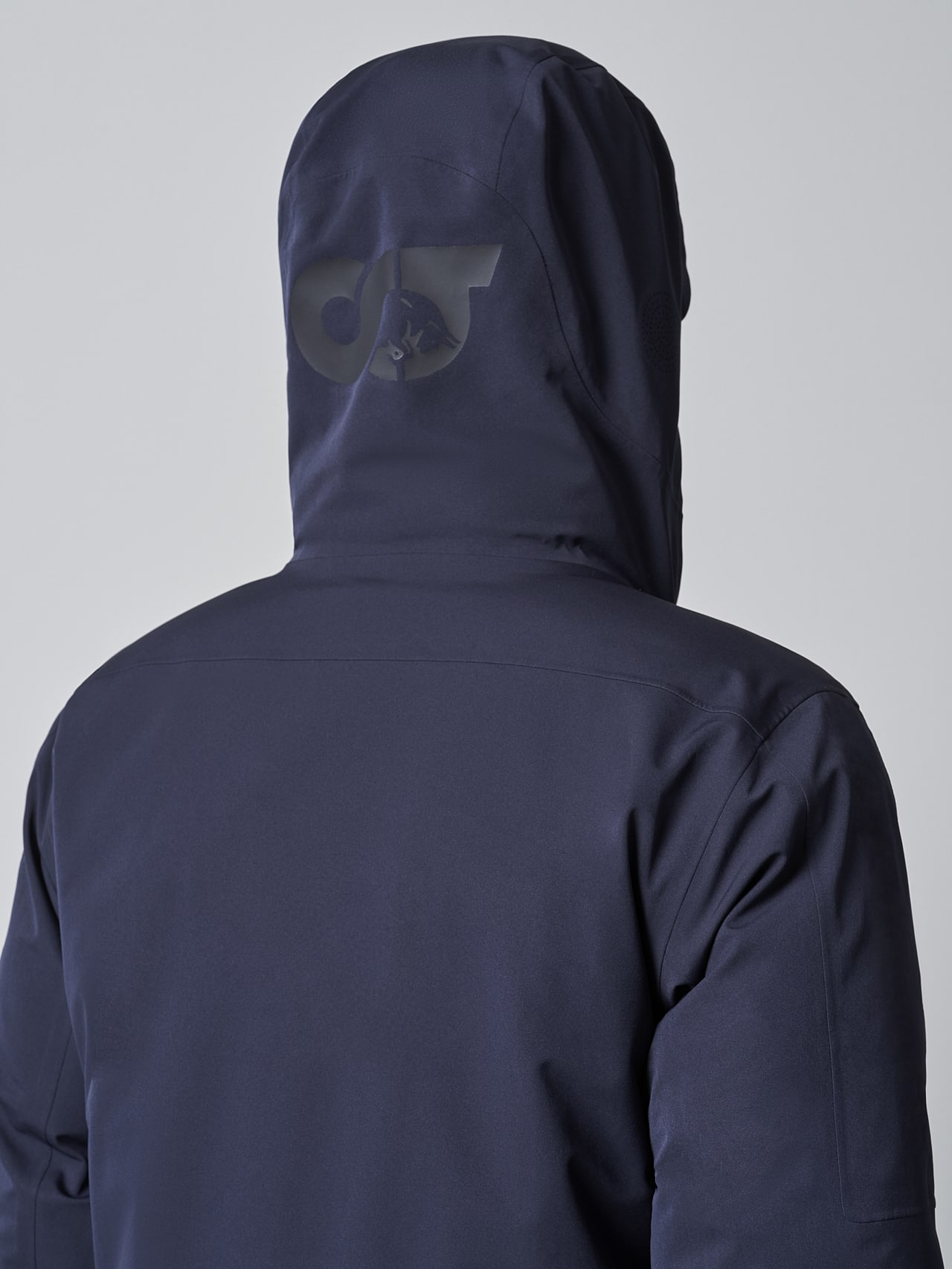 KOOV V6.Y5.02 Packable and Waterproof Winter Parka navy scene7.view.10.name Alpha Tauri