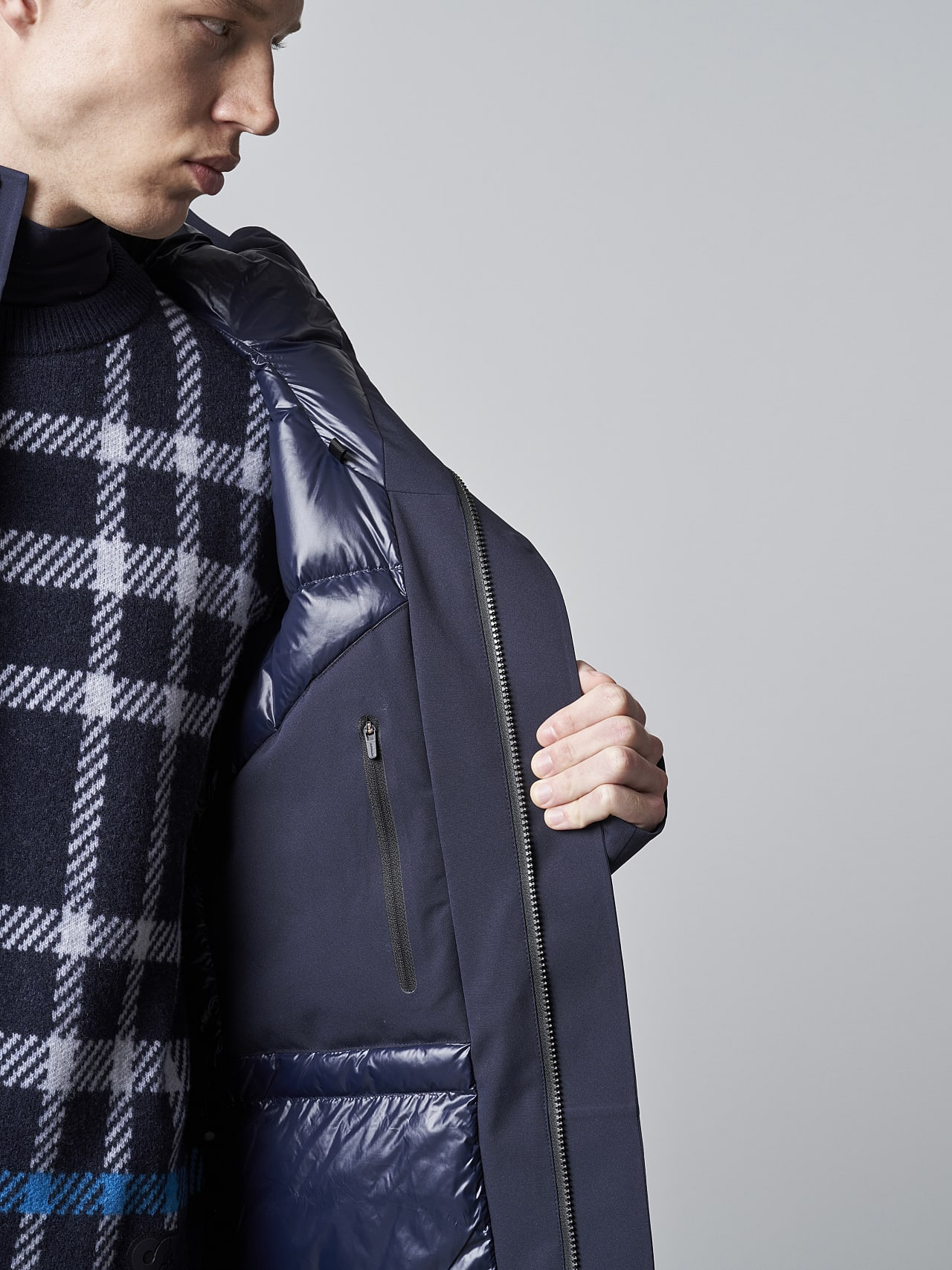 KOOV V6.Y5.02 Packable and Waterproof Winter Parka navy scene7.view.11.name Alpha Tauri