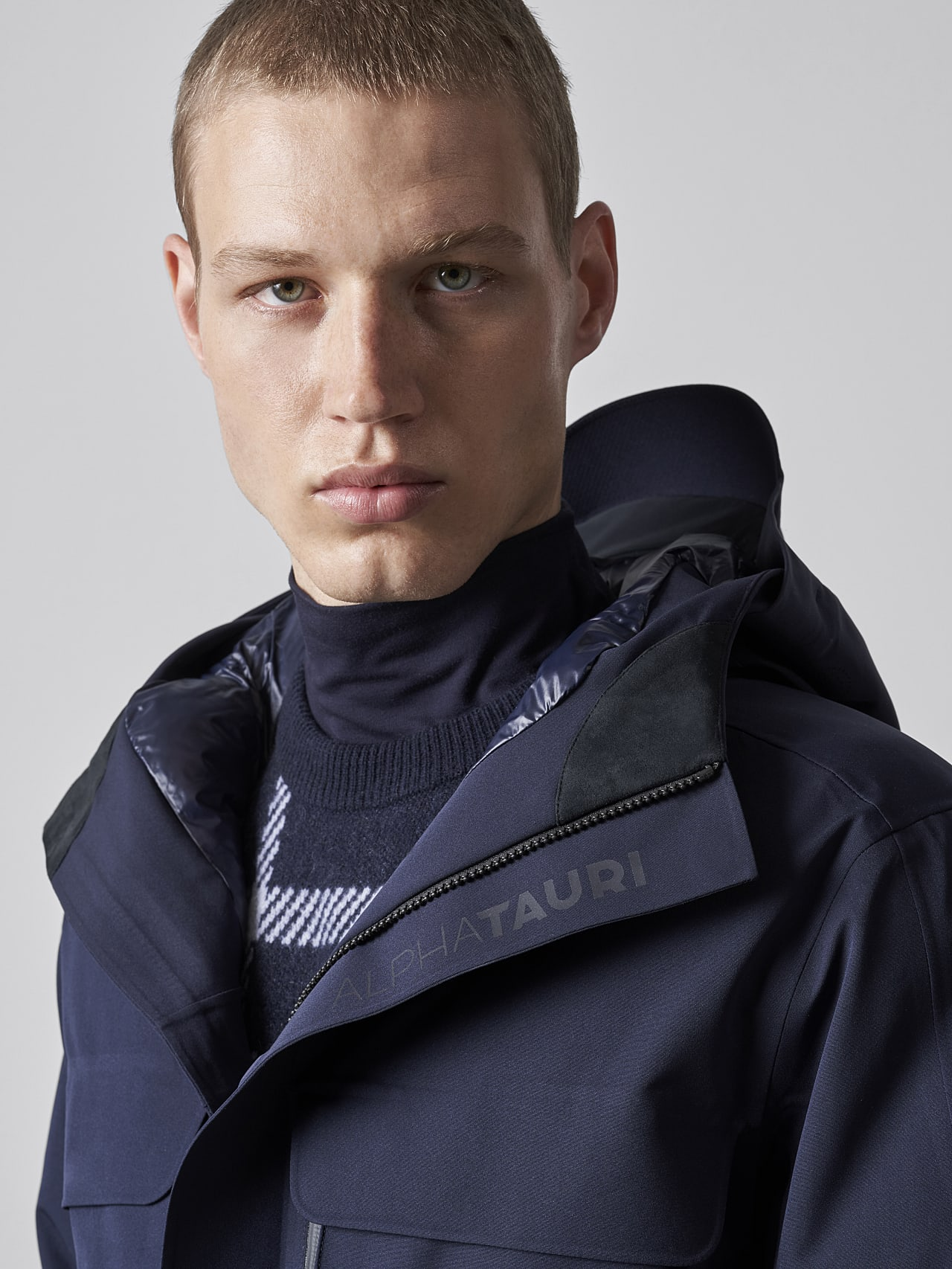 KOOV V6.Y5.02 Packable and Waterproof Winter Parka navy Right Alpha Tauri