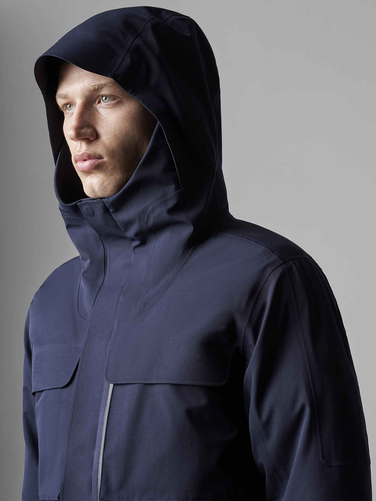 KOOV V6.Y5.02 Packable and Waterproof Winter Parka navy scene7.view.9.name Alpha Tauri