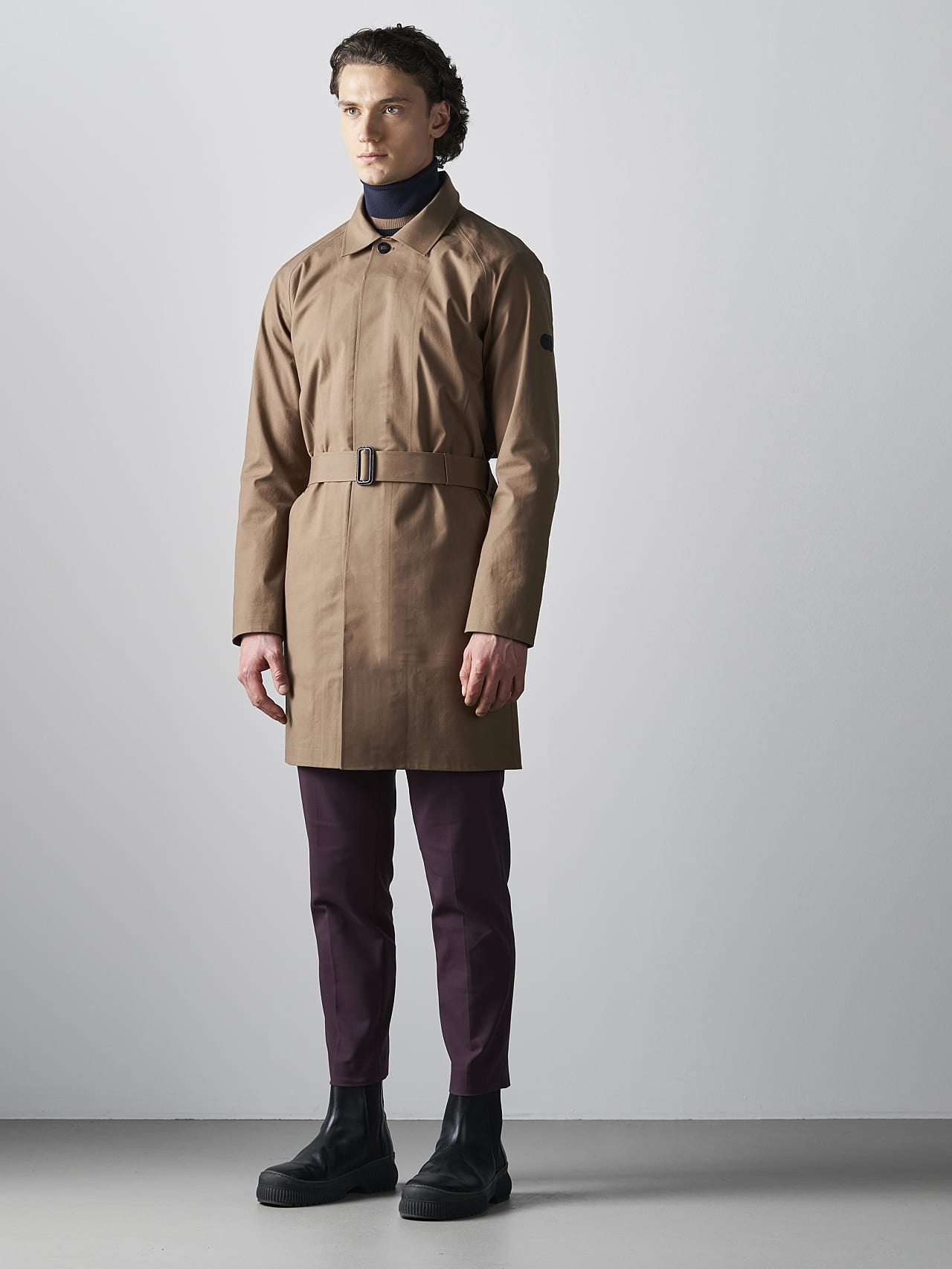 OMANA V1.Y5.02 Packable and Waterproof Trench Coat gold Front Alpha Tauri