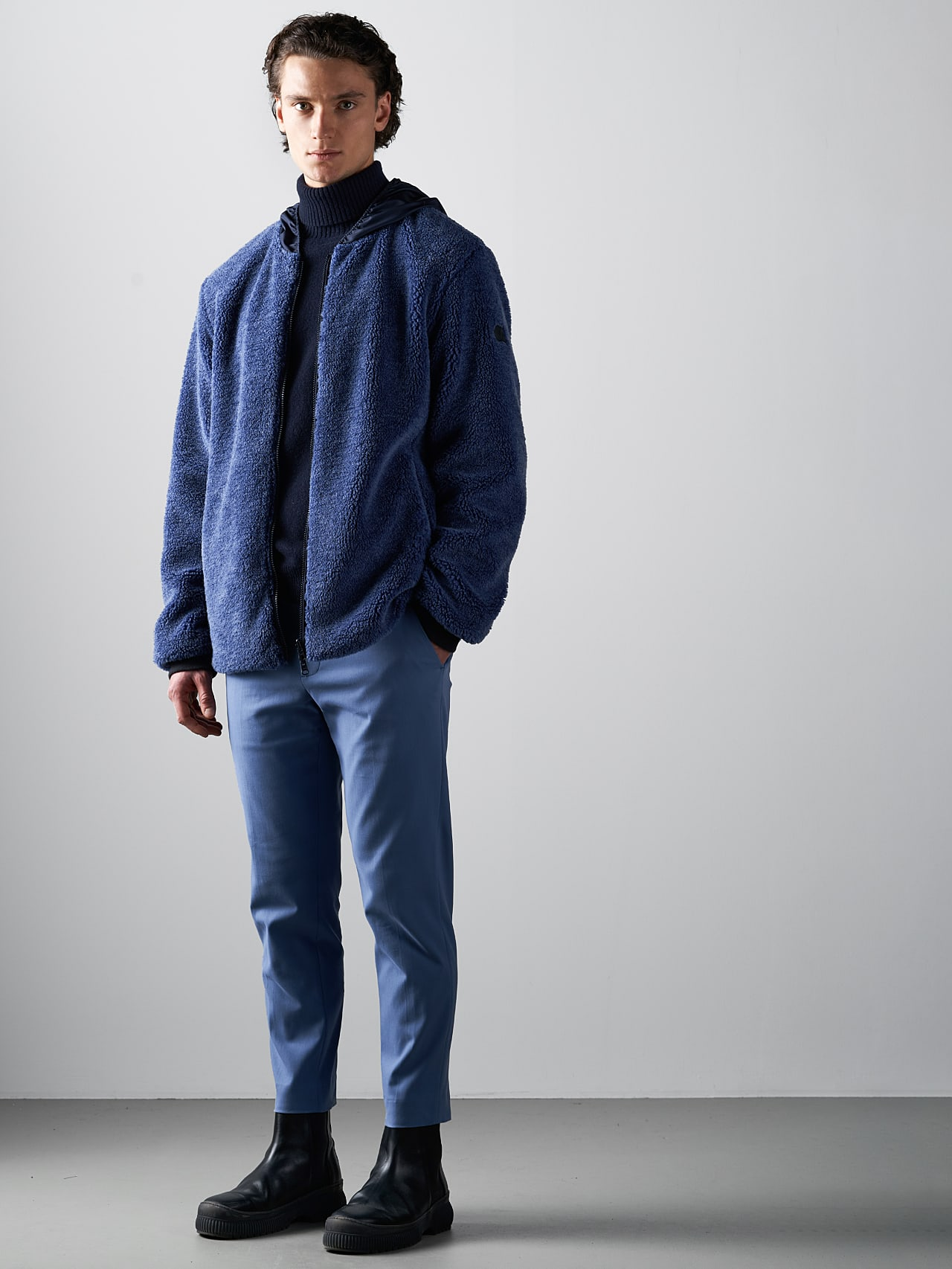 OVEDY V1.Y5.02 Reversible Wool-Blend Teddy Jacket light blue Front Alpha Tauri