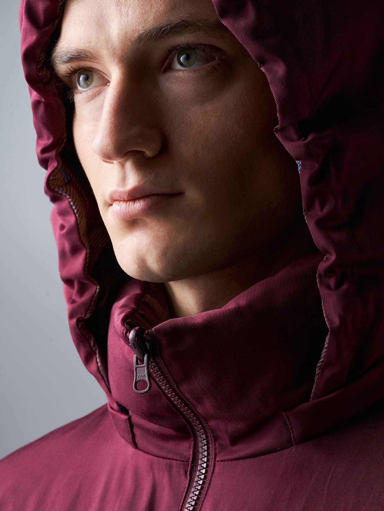 OTACE V1.Y5.02 Reversible 2-in-1 Puffer Jacket bordeaux scene7.view.8.name Alpha Tauri