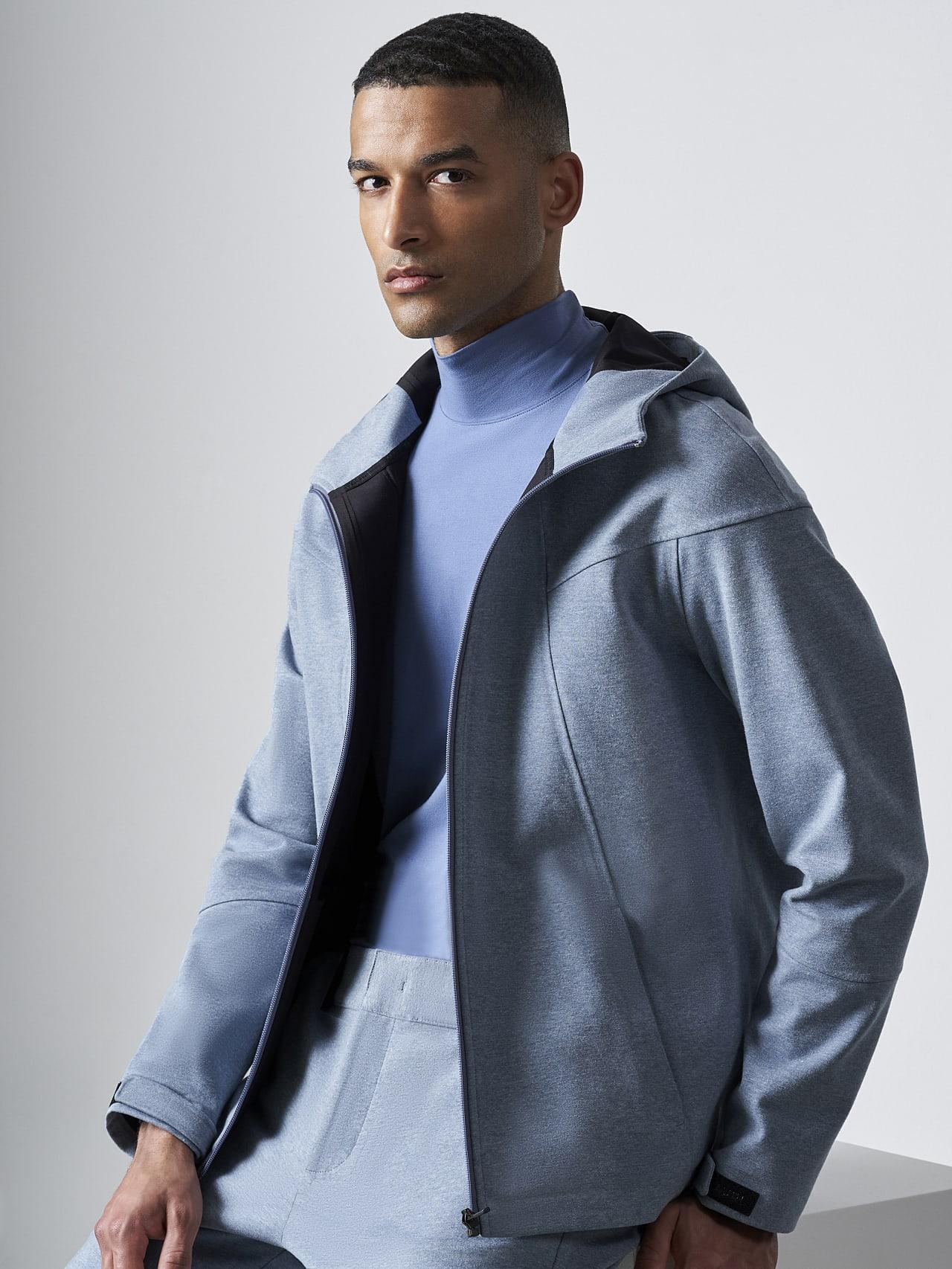 SROTE V1.Y5.02 Waterproof Sweatjacket medium blue Model shot Alpha Tauri