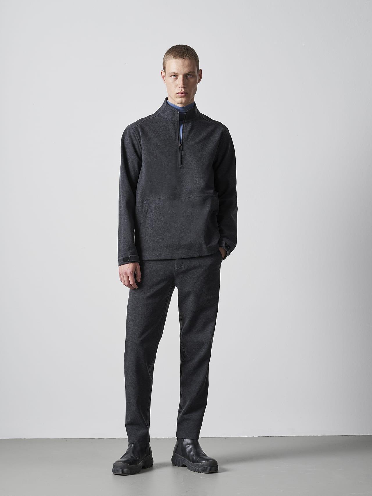 SROTO V1.Y5.02 Waterproof Half-Zip Sweatshirt dark grey / anthracite Front Alpha Tauri