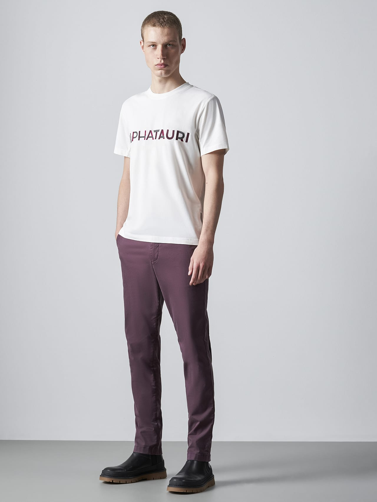 JANOS V3.Y5.02 Logo Embroidery T-Shirt offwhite Front Alpha Tauri