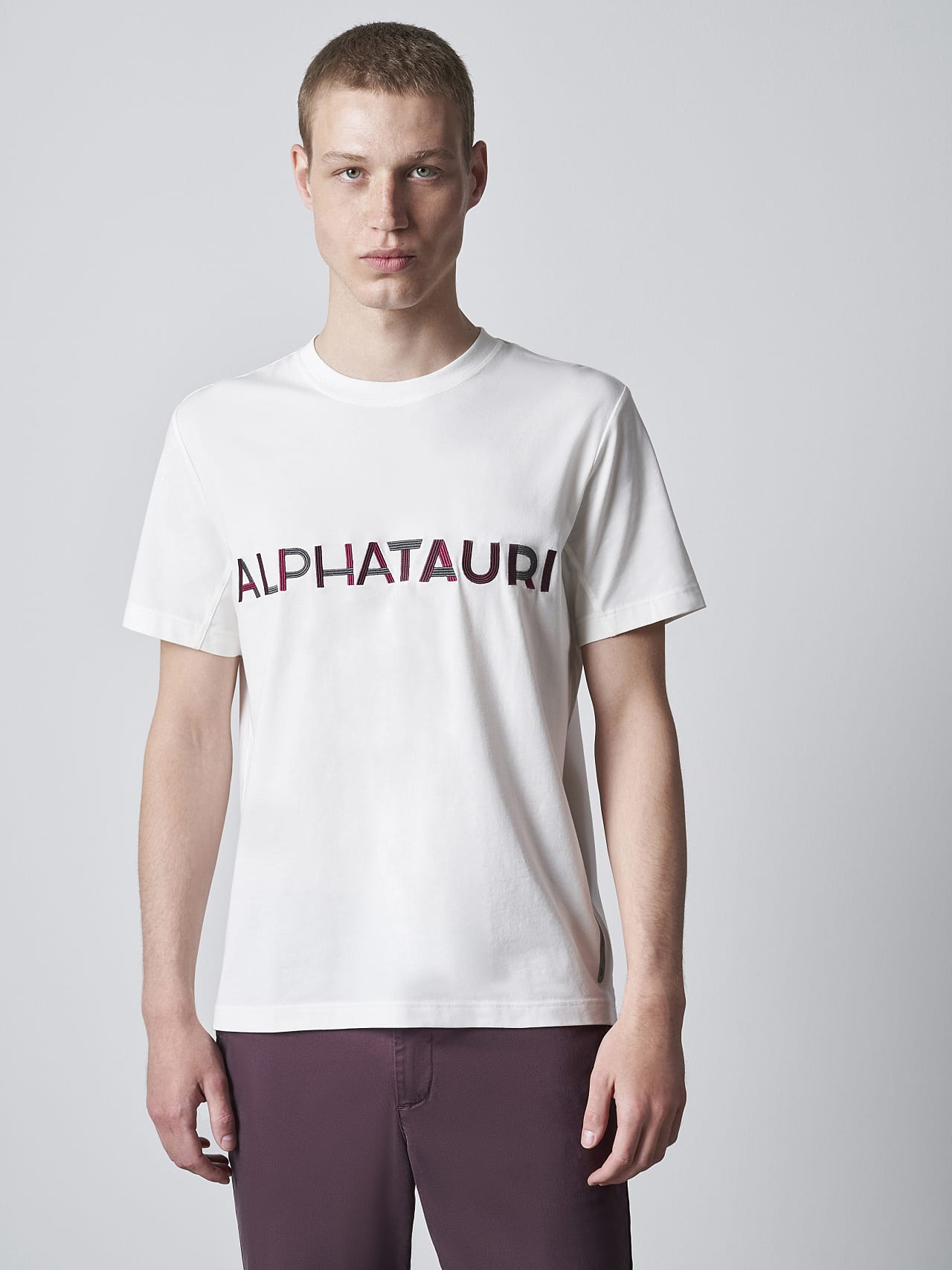 JANOS V3.Y5.02 Logo Embroidery T-Shirt offwhite Right Alpha Tauri