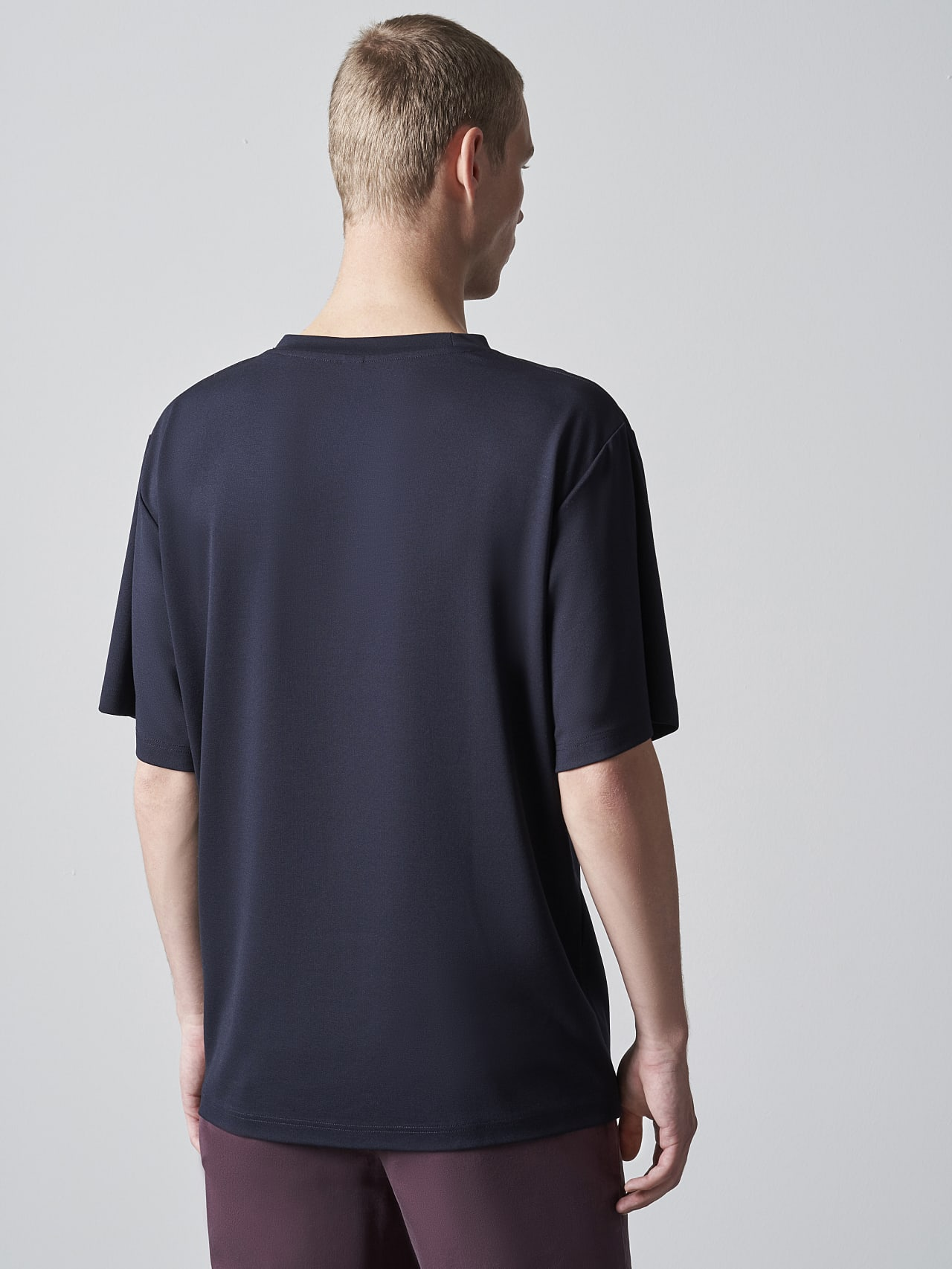 JAHEV V1.Y5.02 Relaxed Logo T-Shirt navy Front Main Alpha Tauri