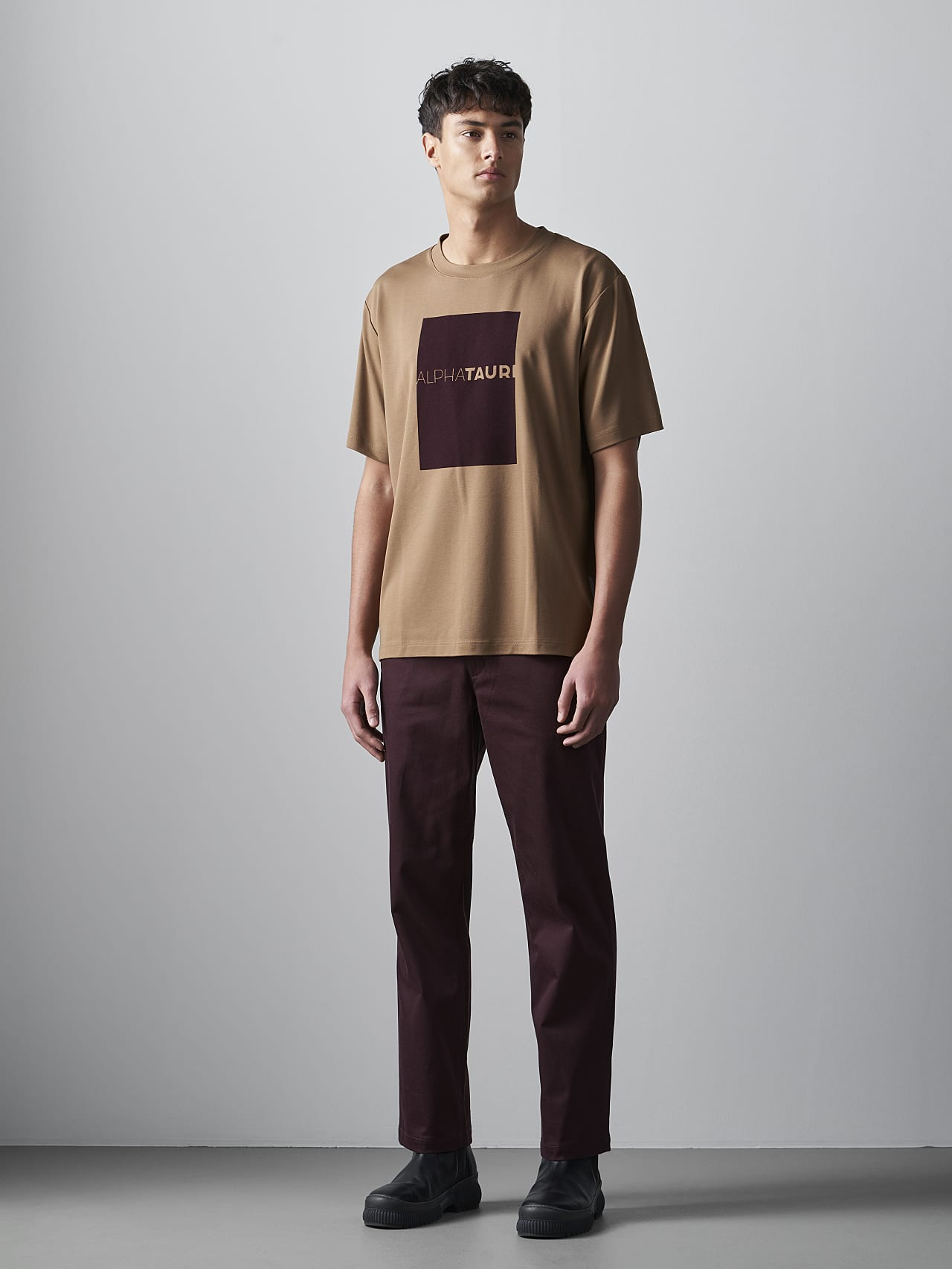 JAHEV V1.Y5.02 Relaxed Logo T-Shirt gold Front Alpha Tauri