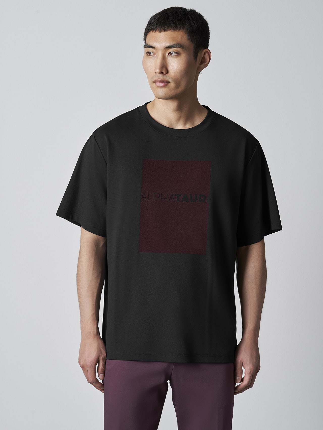 JAHEV V1.Y5.02 Relaxed Logo T-Shirt black Model shot Alpha Tauri