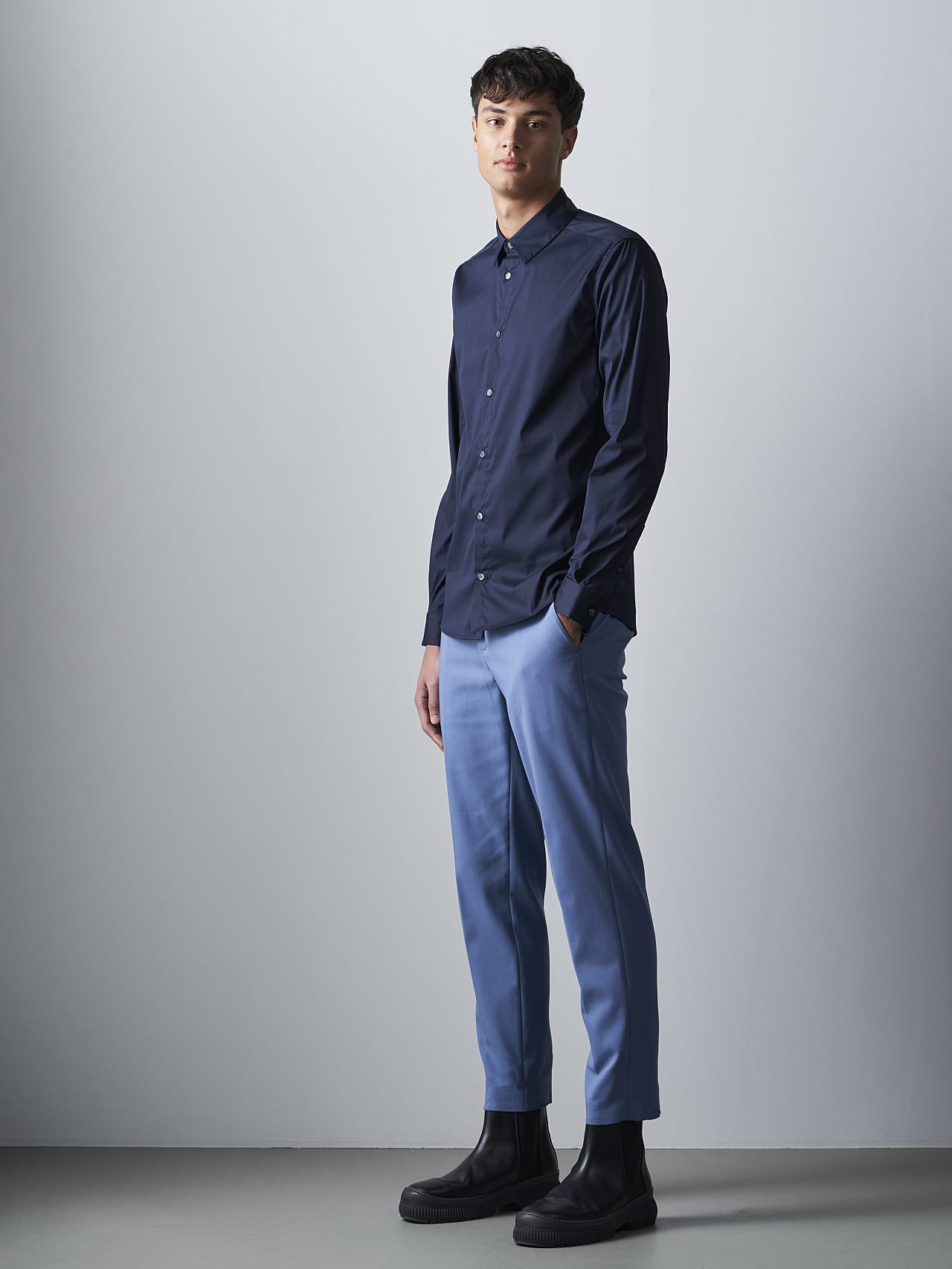 WAARG V2.Y5.02 Easy-Care Cotton Shirt navy Front Alpha Tauri