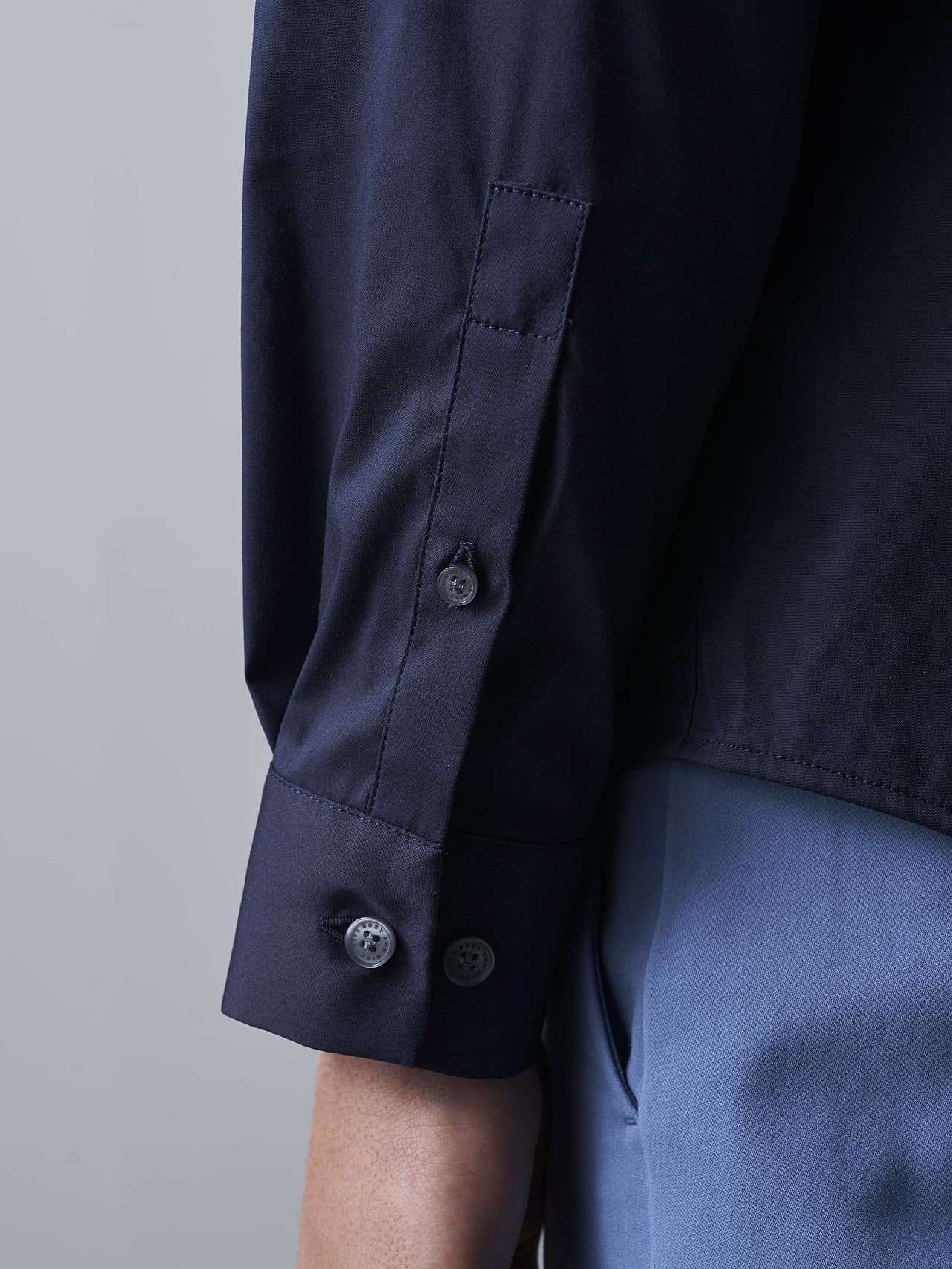 WAARG V2.Y5.02 Easy-Care Cotton Shirt navy Extra Alpha Tauri