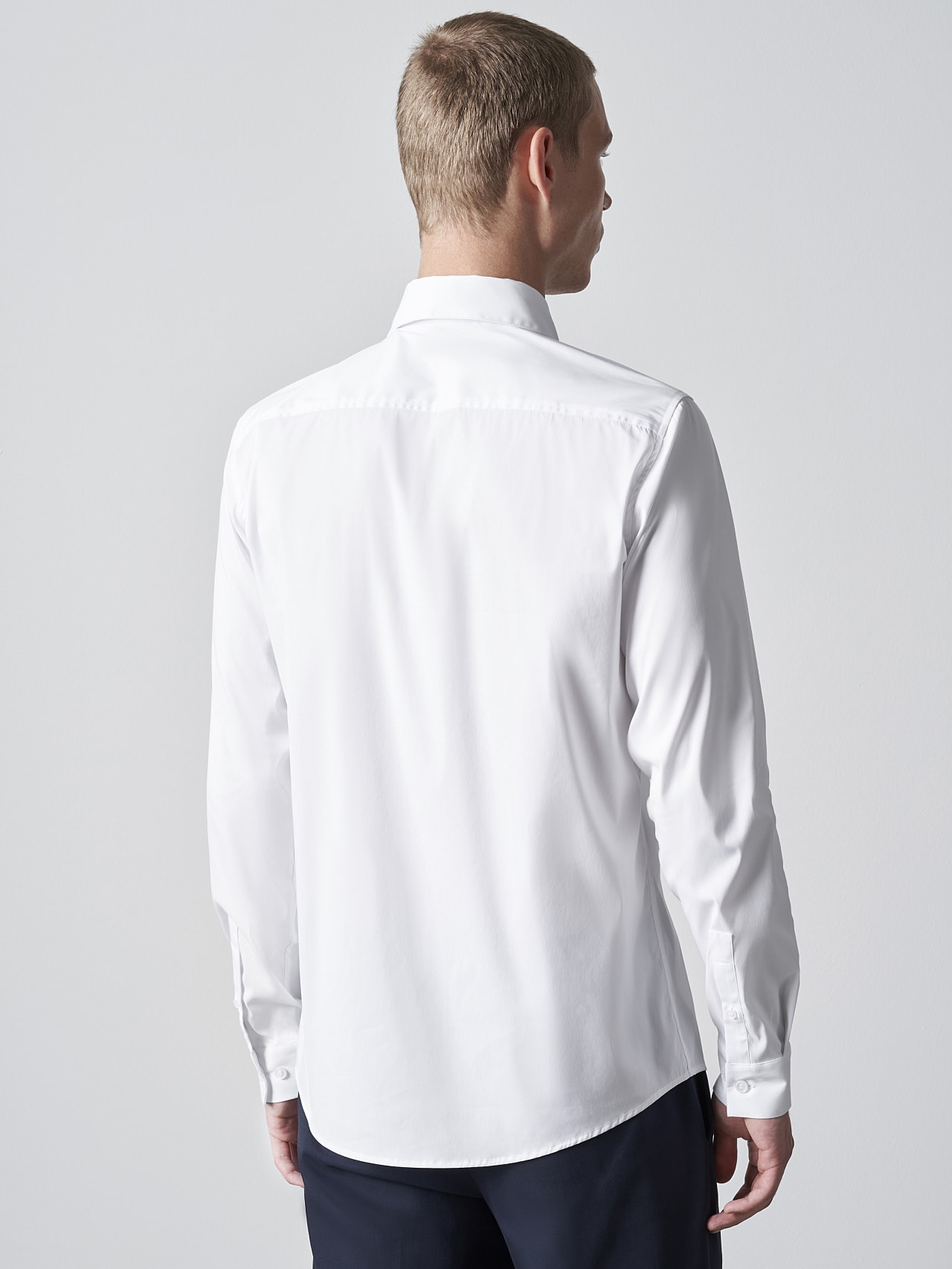 WAARG V2.Y5.02 Easy-Care Cotton Shirt white Front Main Alpha Tauri
