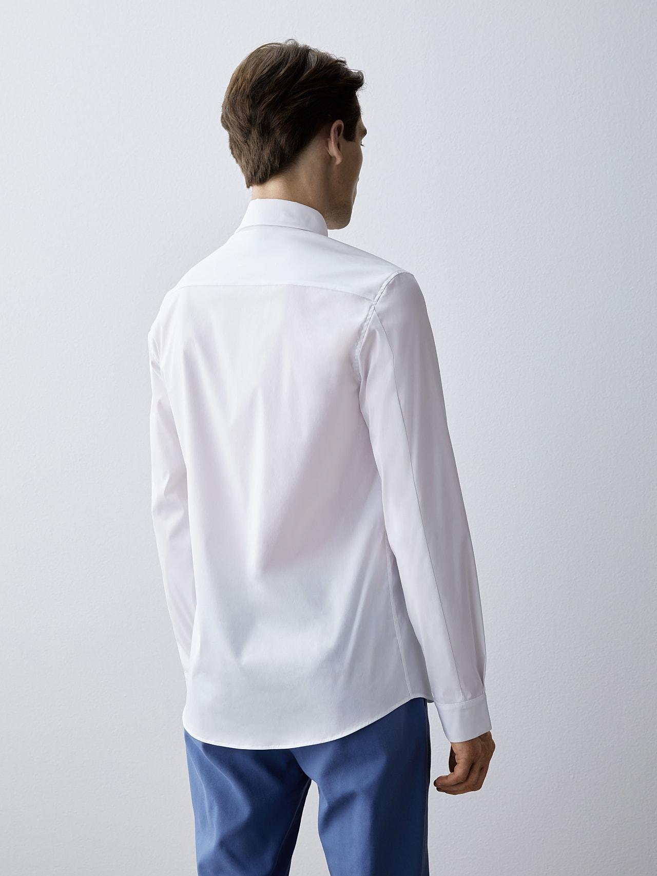 WAMNE V1.Y5.02 Easy-Care Shirt white Front Main Alpha Tauri