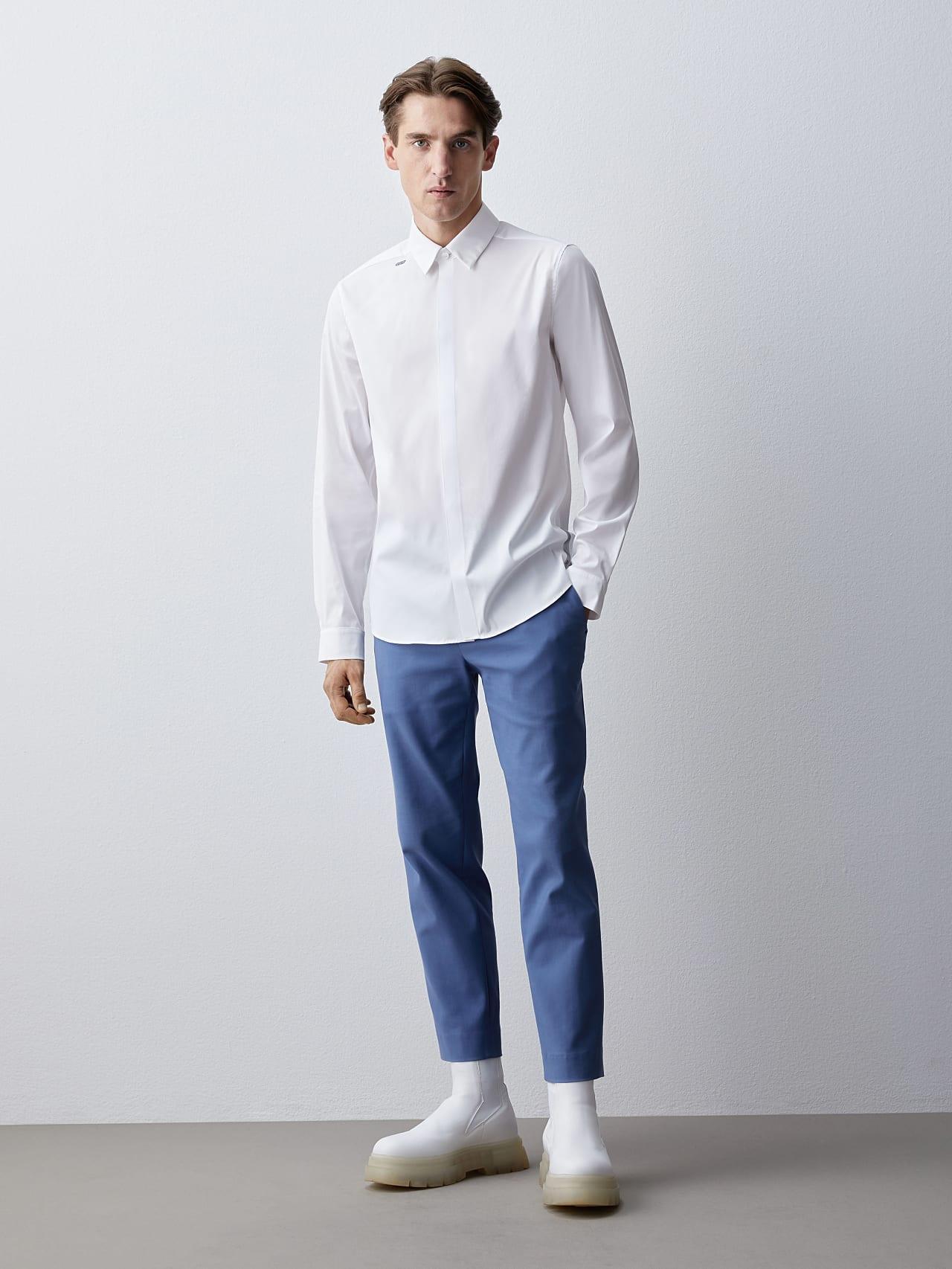 WAMNE V1.Y5.02 Easy-Care Shirt white Front Alpha Tauri
