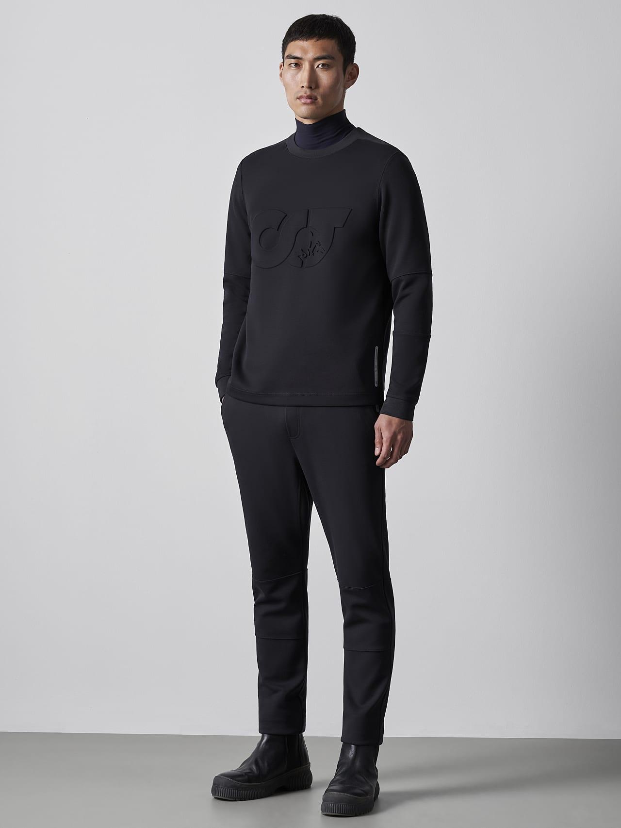PRYK V7.Y5.02 Premium Sweatpants black Model shot Alpha Tauri