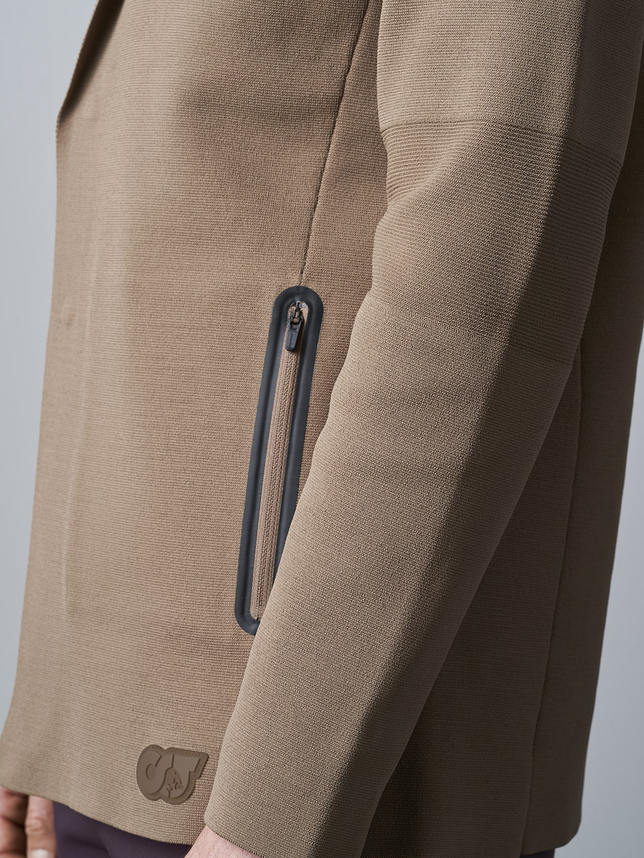 FELIP V1.Y5.02 Water-Repellent Knit Blazer gold scene7.view.9.name Alpha Tauri