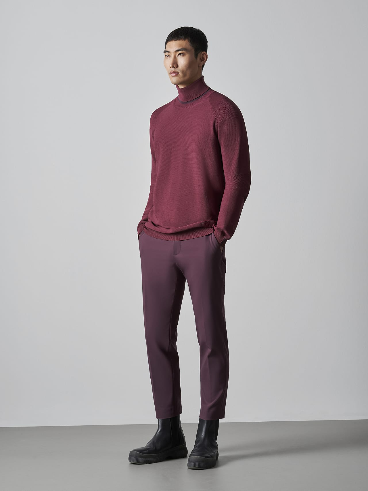 FUZZO V1.Y5.02 Seamless 3D Knit Roll-Neck Jumper bordeaux Front Alpha Tauri