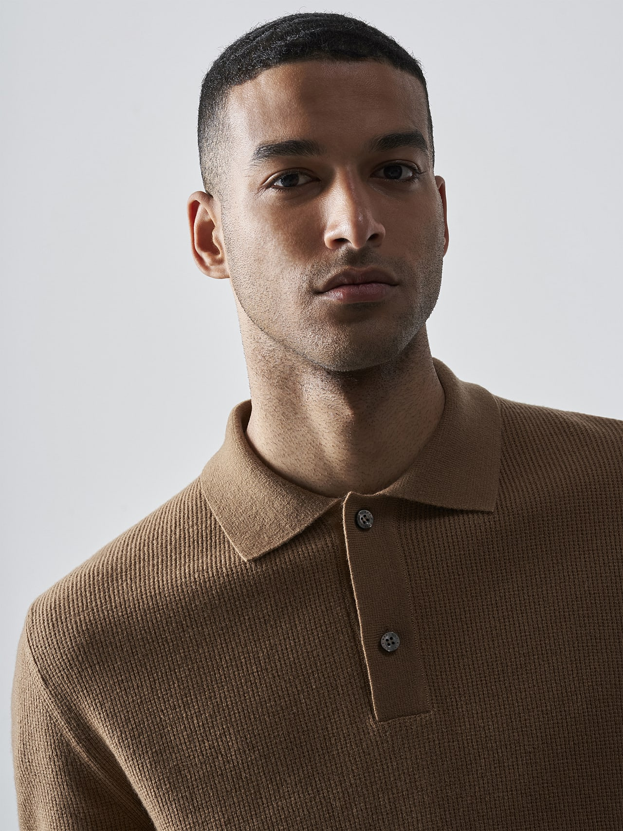 FORCE V1.Y5.02 Cashmere-Blend Knit Polo Longsleeve gold Right Alpha Tauri