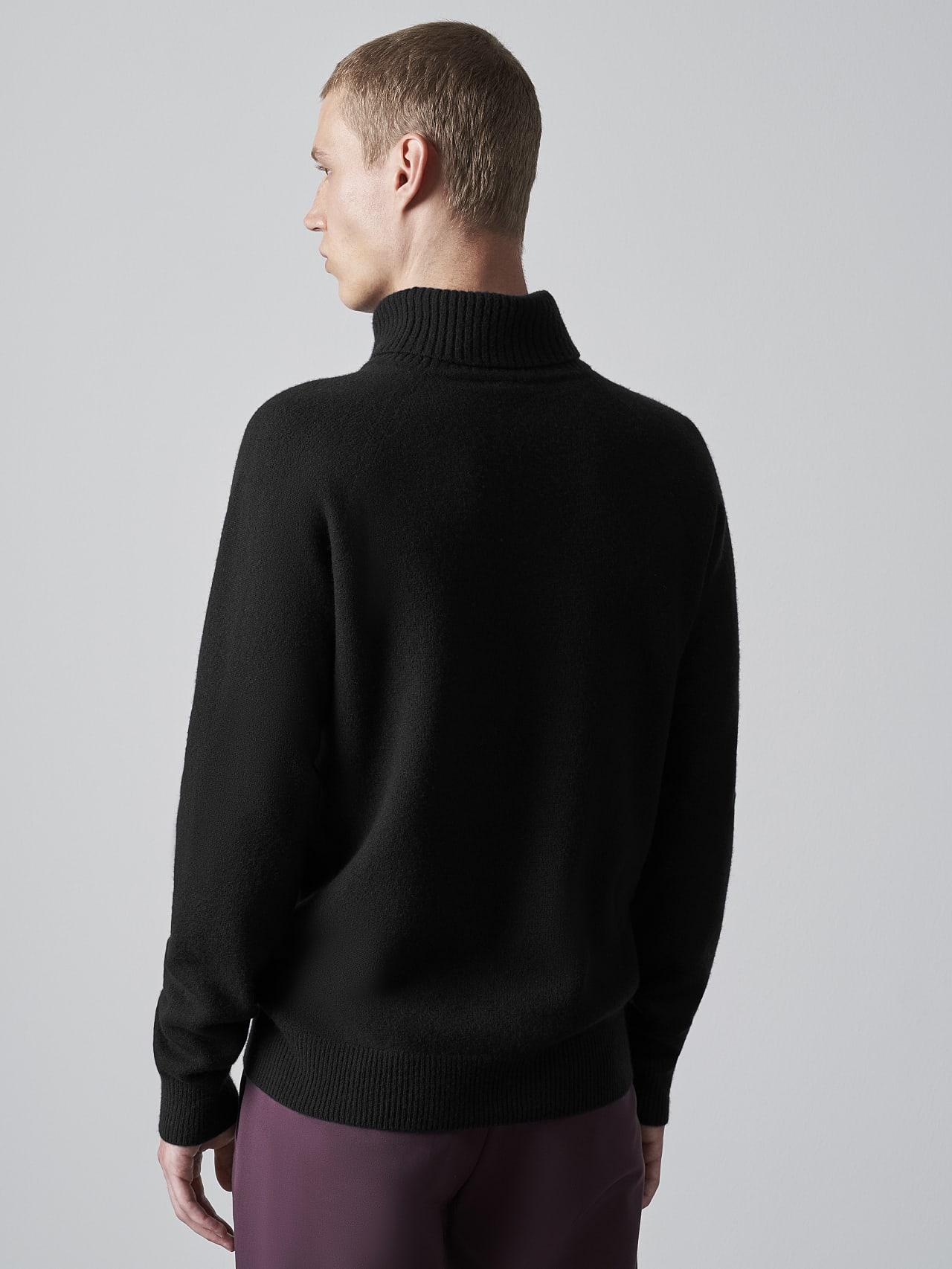 FLUCK V2.Y5.02 Seamless 3D Knit Cashmere-Blend Turtle Neck black Front Main Alpha Tauri