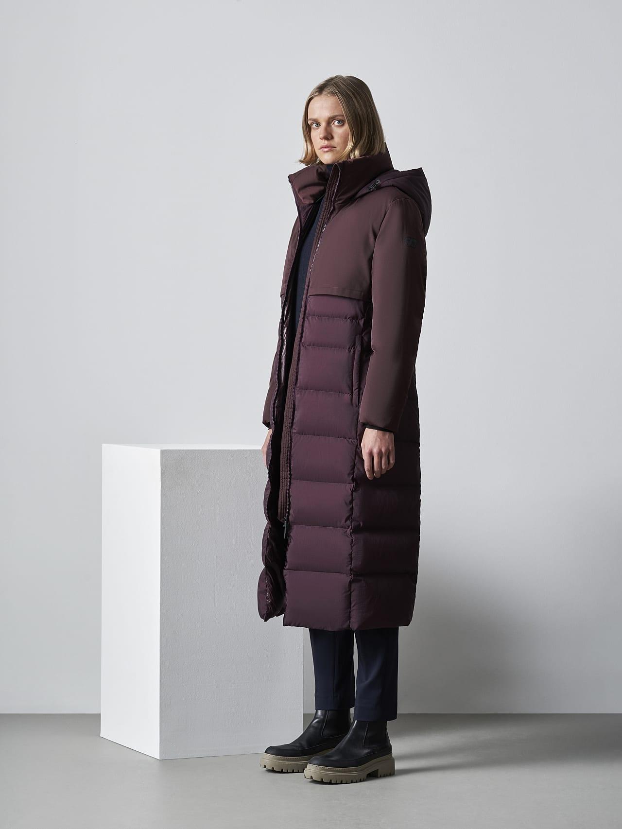OMONA V1.Y5.02 PrimaLoft® Maxi Puffer Coat Burgundy Front Alpha Tauri