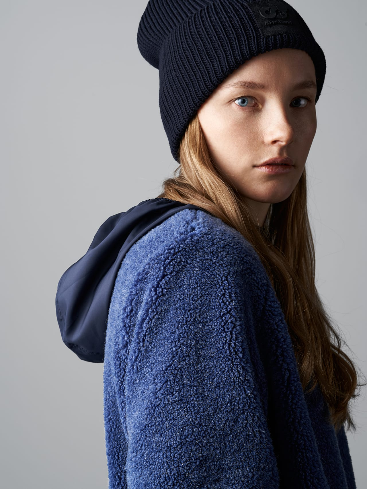 OMANE V1.Y5.02 Reversible Pile Wool Maxi Coat light blue Extra Alpha Tauri