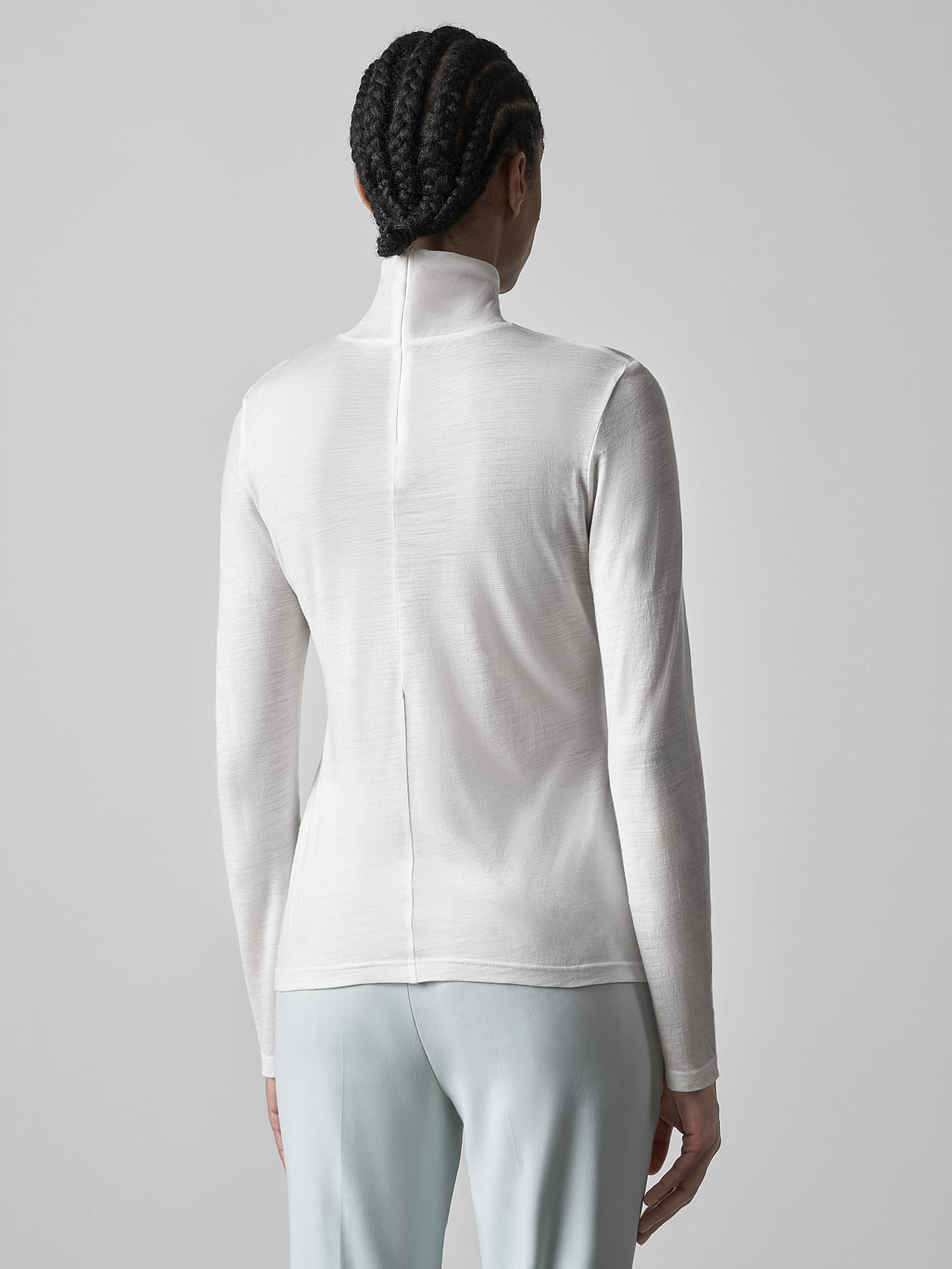 JUPAO V2.Y5.02 Turtleneck Longsleeve offwhite Front Main Alpha Tauri