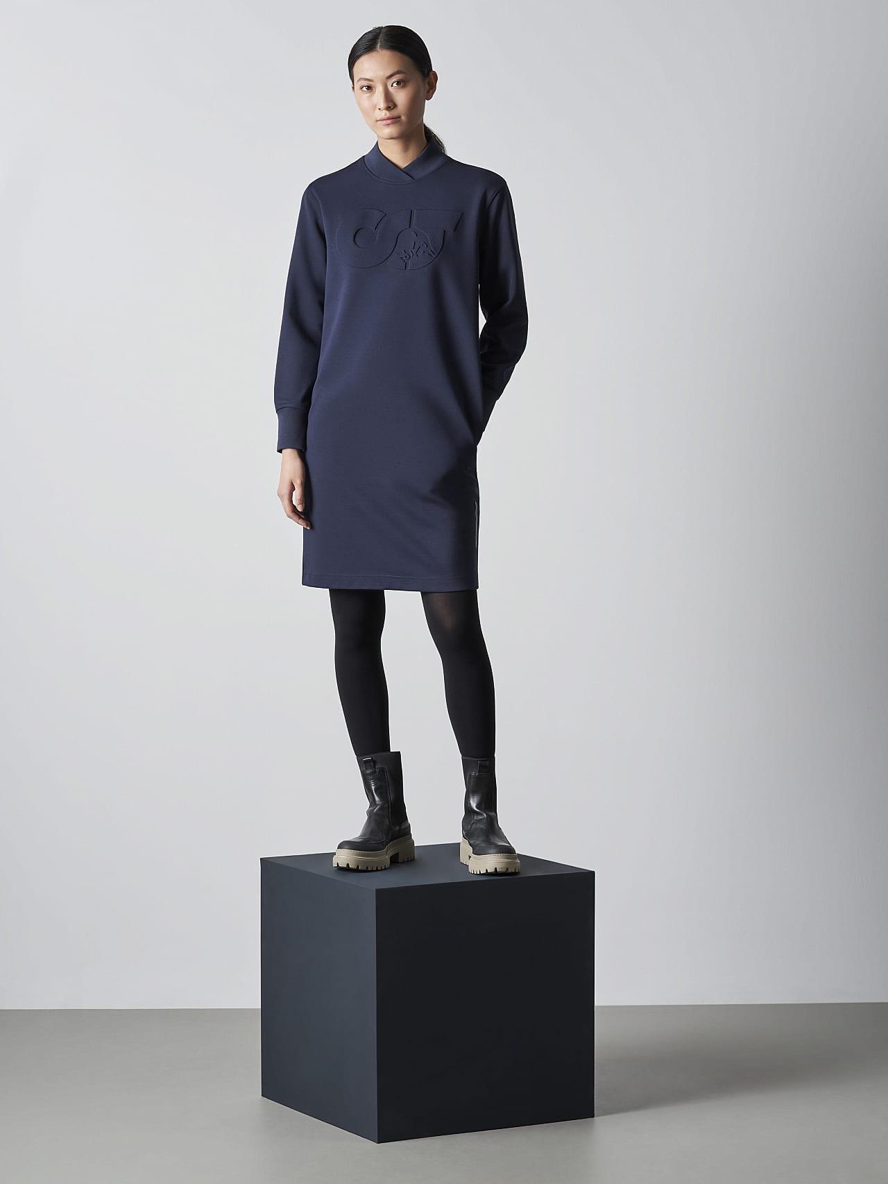 STAR V3.Y5.02 Premium Logo Sweater Dress navy Front Alpha Tauri