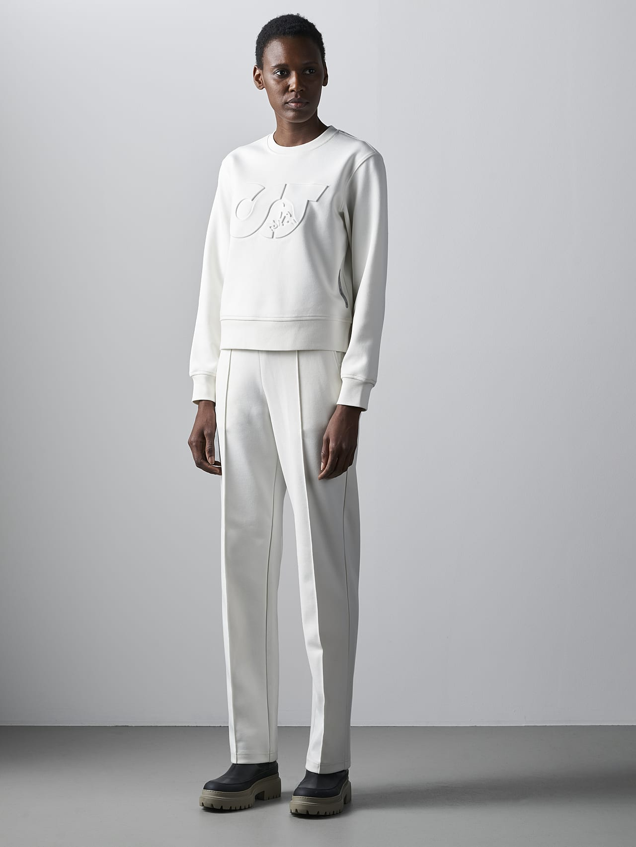 SHINT V1.Y5.02 Premium Logo Sweater offwhite Front Alpha Tauri