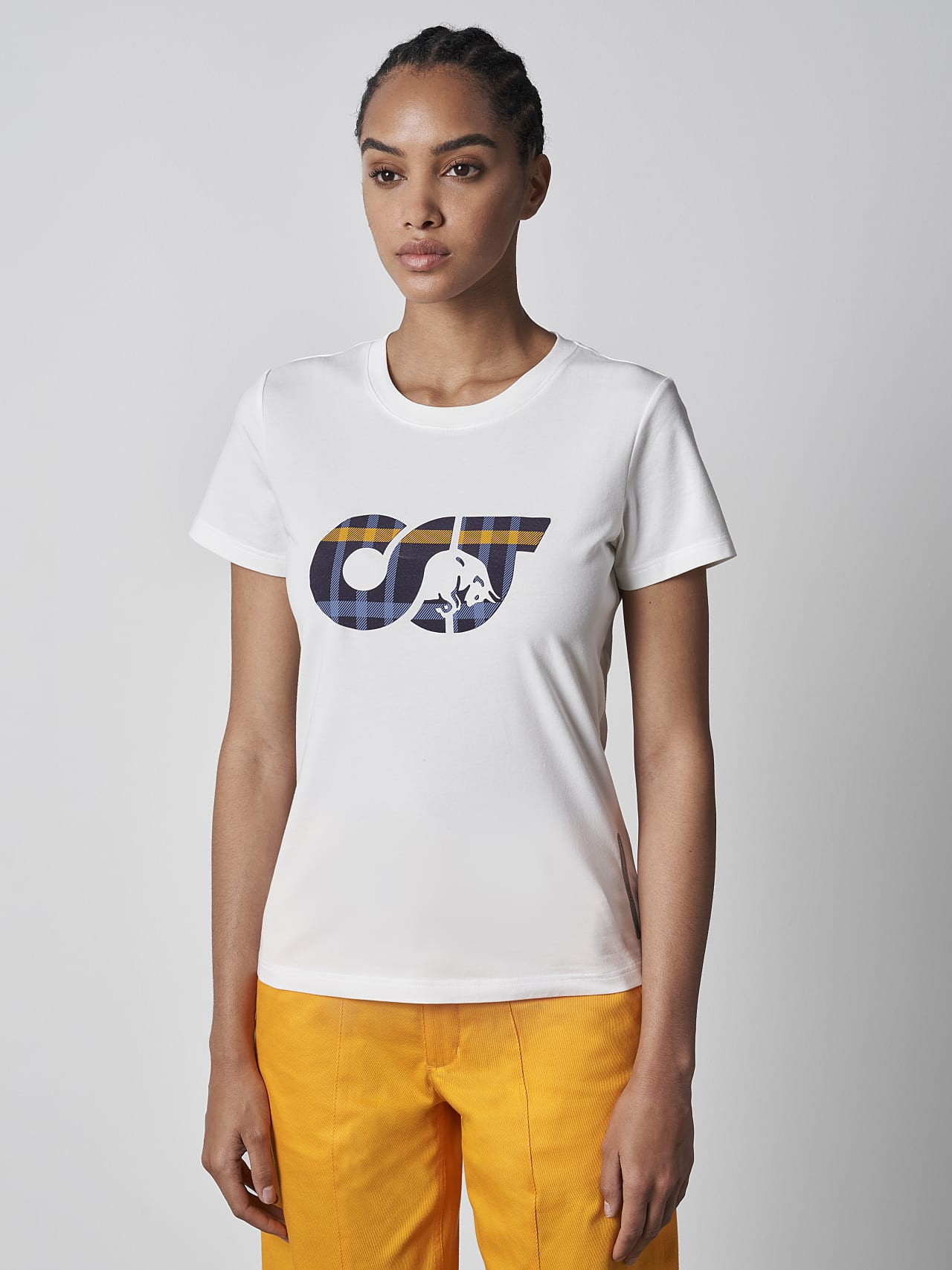 JANPA V1.Y5.02 Logo Print T-Shirt offwhite Model shot Alpha Tauri