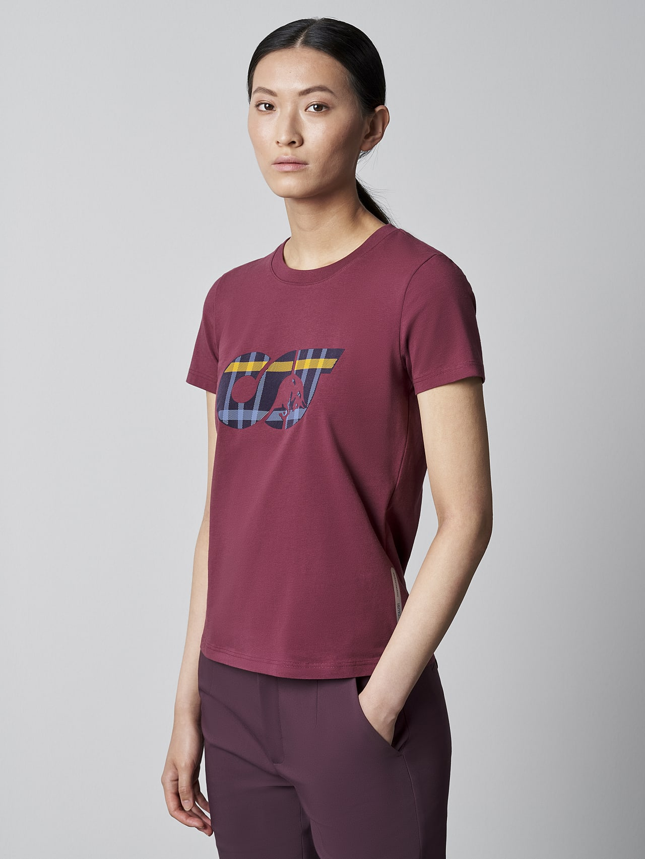 JANPA V1.Y5.02 Logo Print T-Shirt bordeaux Model shot Alpha Tauri