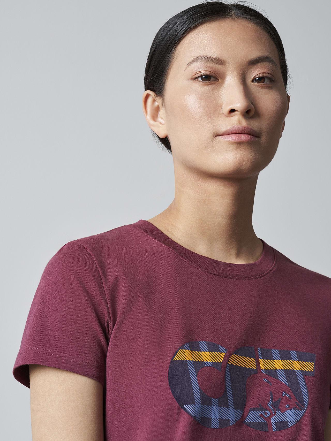 JANPA V1.Y5.02 Logo Print T-Shirt bordeaux Right Alpha Tauri