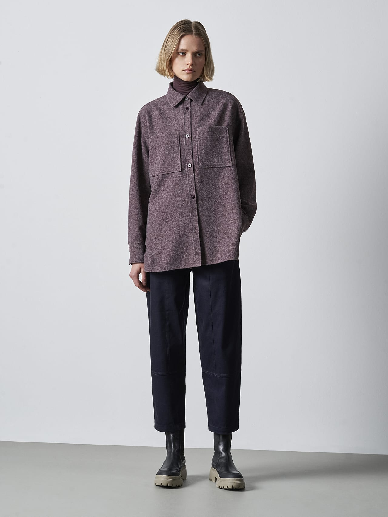 WOVIE V1.Y5.02 Wool Over-Shirt Burgundy Front Alpha Tauri