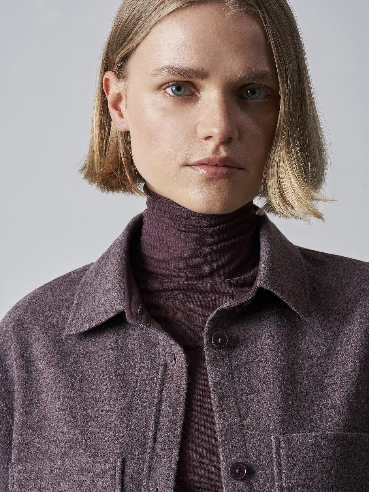 WOVIE V1.Y5.02 Wool Over-Shirt Burgundy Extra Alpha Tauri