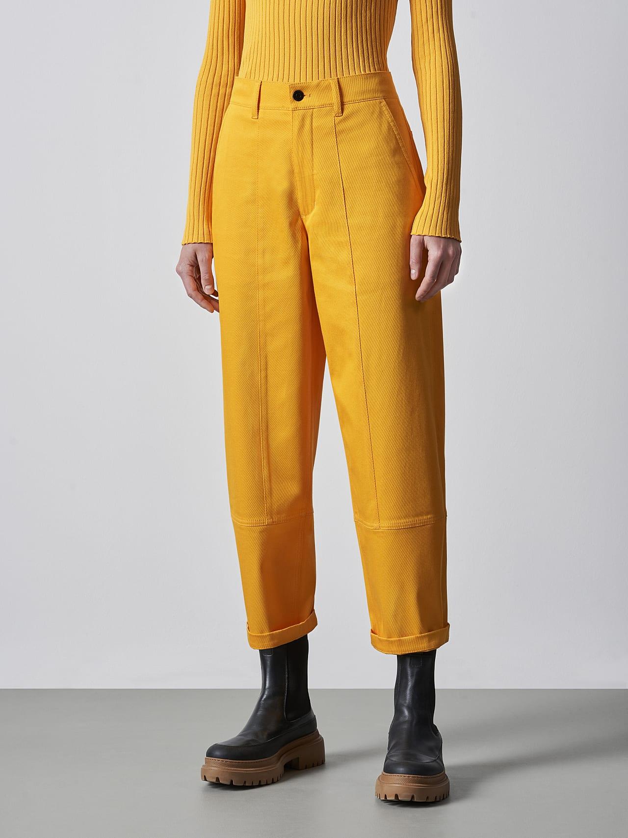 PCHAR V1.Y5.02 Tapered Barrel-Leg Pants yellow Model shot Alpha Tauri