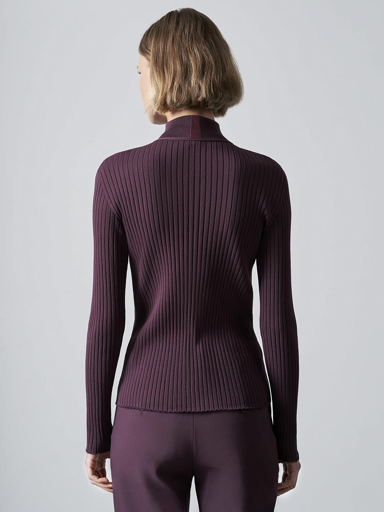 FAXEE V1.Y5.02 Seamless 3D Knit Mock-Neck Jumper Burgundy Front Main Alpha Tauri