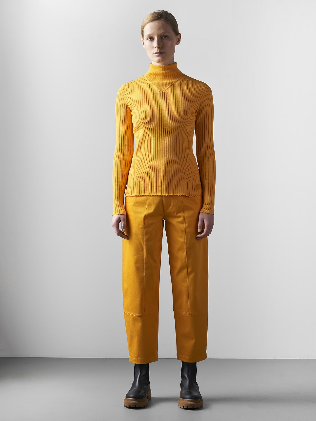 FAXEE V1.Y5.02 Seamless 3D Knit Mock-Neck Jumper yellow Front Alpha Tauri