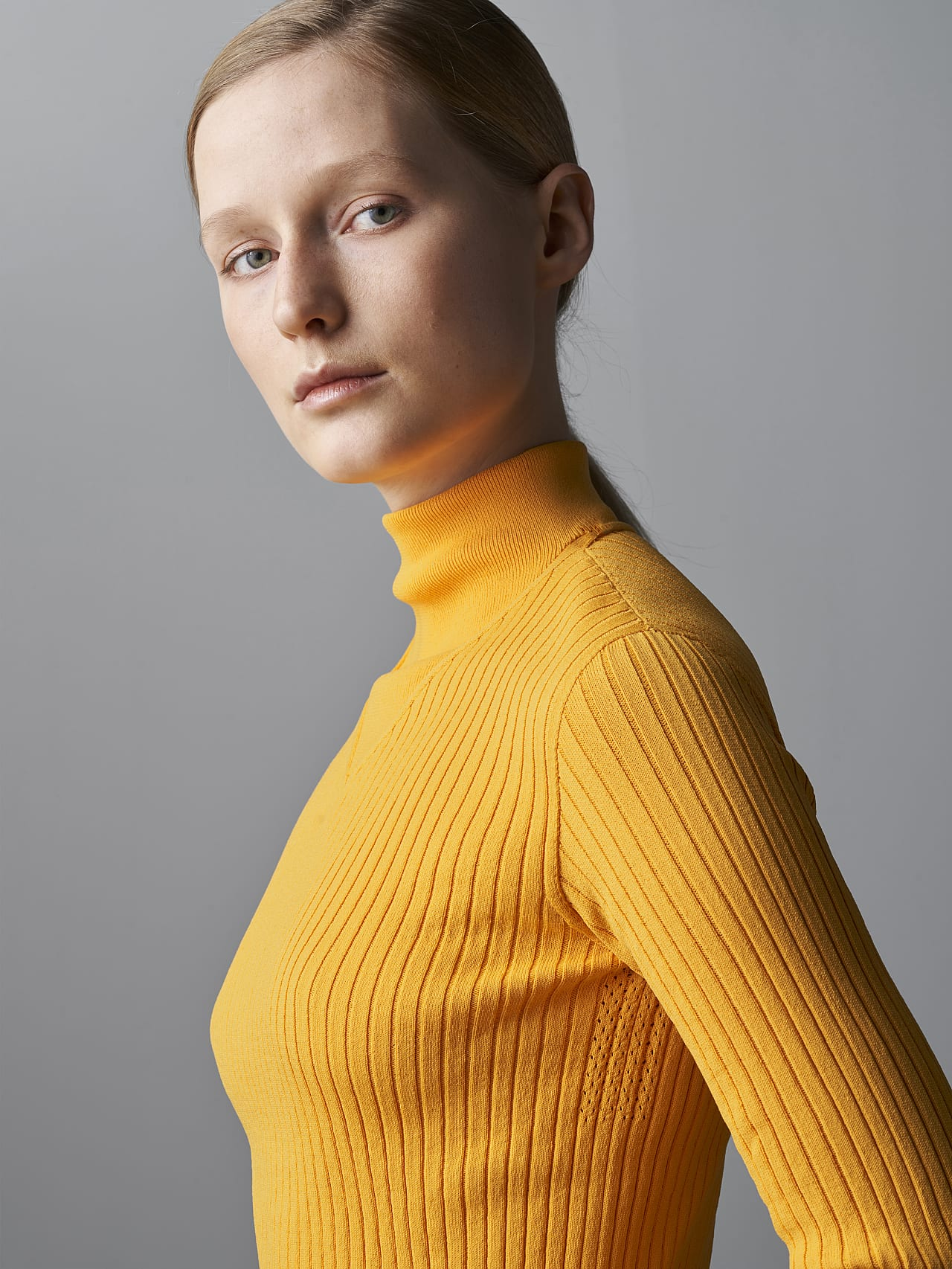 FAXEE V1.Y5.02 Seamless 3D Knit Mock-Neck Jumper yellow Right Alpha Tauri