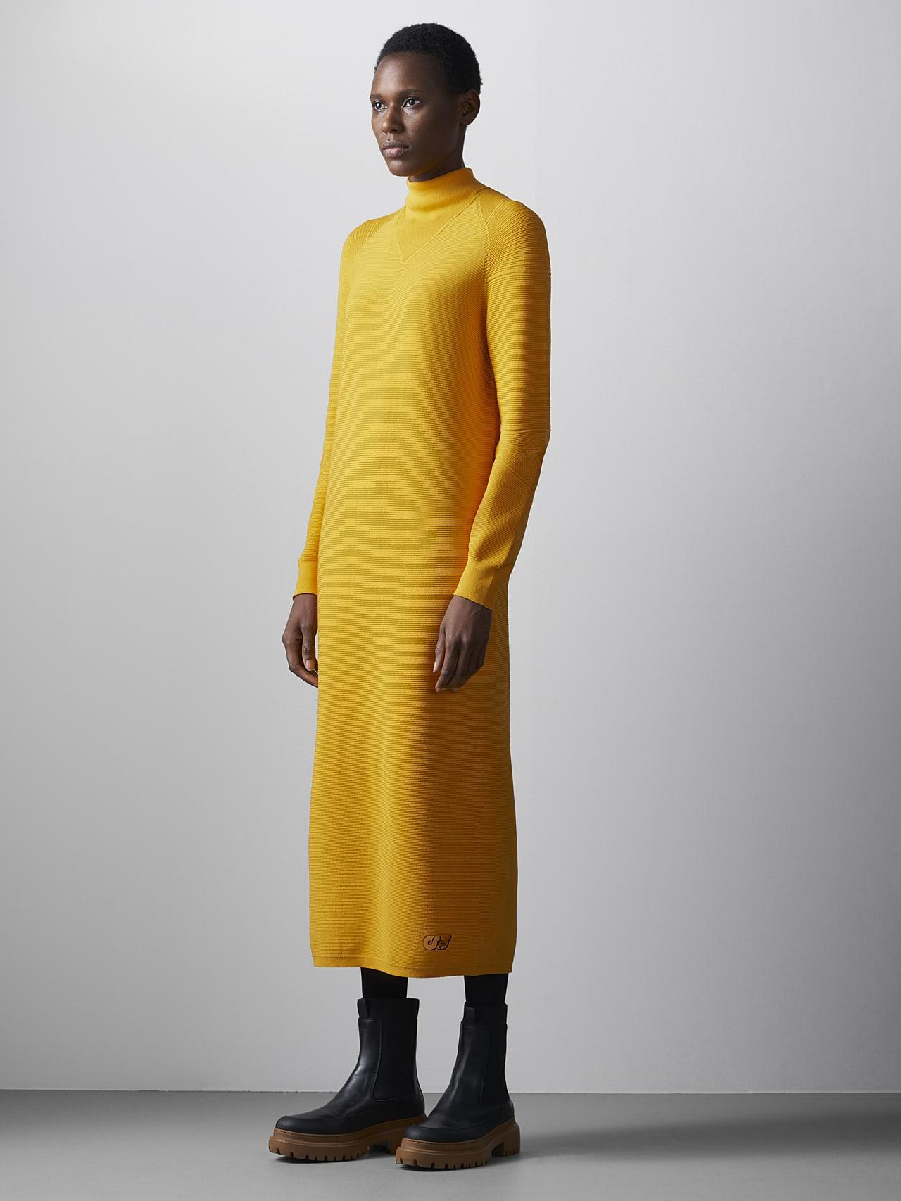 FOXEE V1.Y5.02 Seamless 3D Knit Mock-Neck Dress yellow Model shot Alpha Tauri
