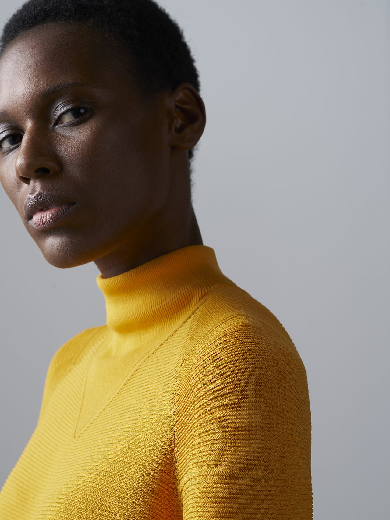 FOXEE V1.Y5.02 Seamless 3D Knit Mock-Neck Dress yellow Extra Alpha Tauri