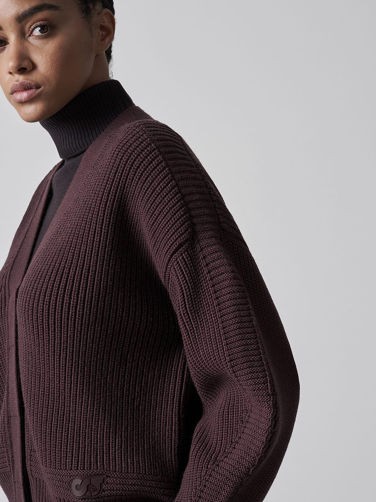 FREDA V1.Y5.02 Chunky Merino Wool Cardigan Burgundy Right Alpha Tauri