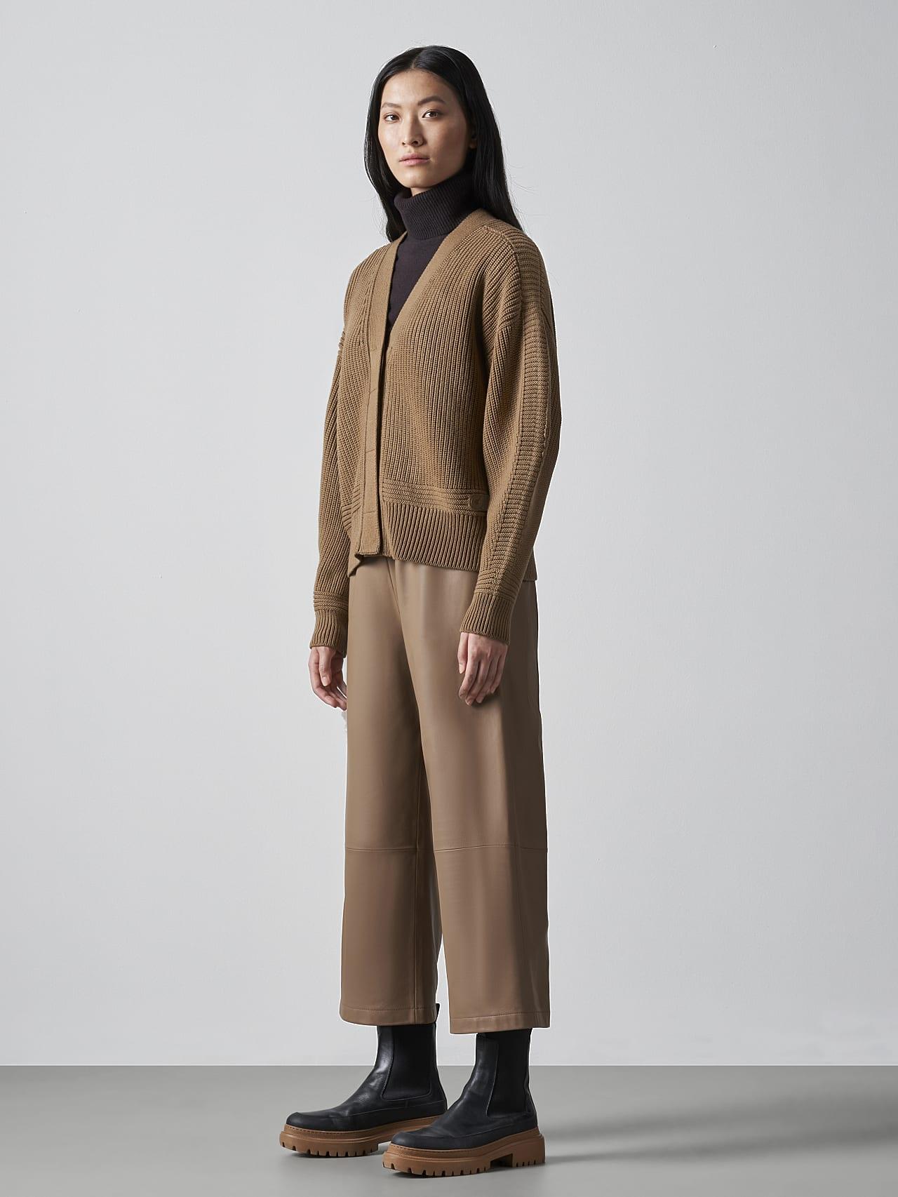 FREDA V1.Y5.02 Chunky Merino Wool Cardigan gold Front Alpha Tauri
