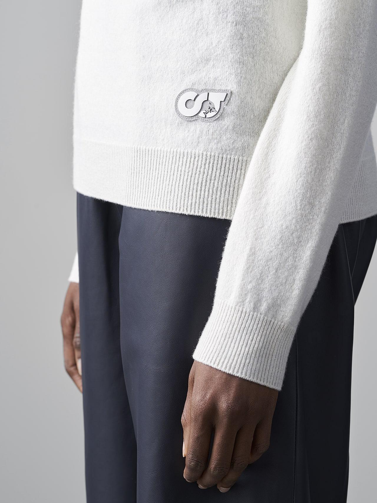 FLAMY V1.Y5.02 Seamless 3D Knit Merino-Cashmere Turtle Neck offwhite Extra Alpha Tauri