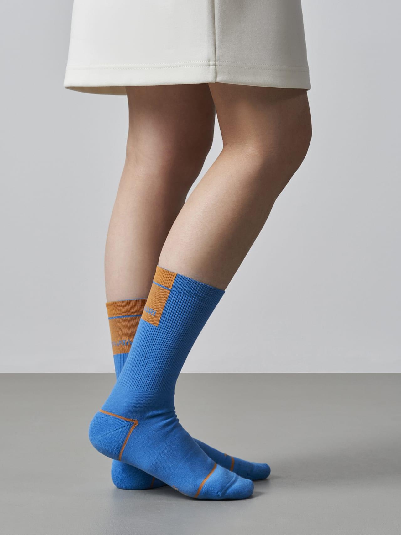 ATENI V3.Y5.02 Premium Knit Socks blue Model shot Alpha Tauri