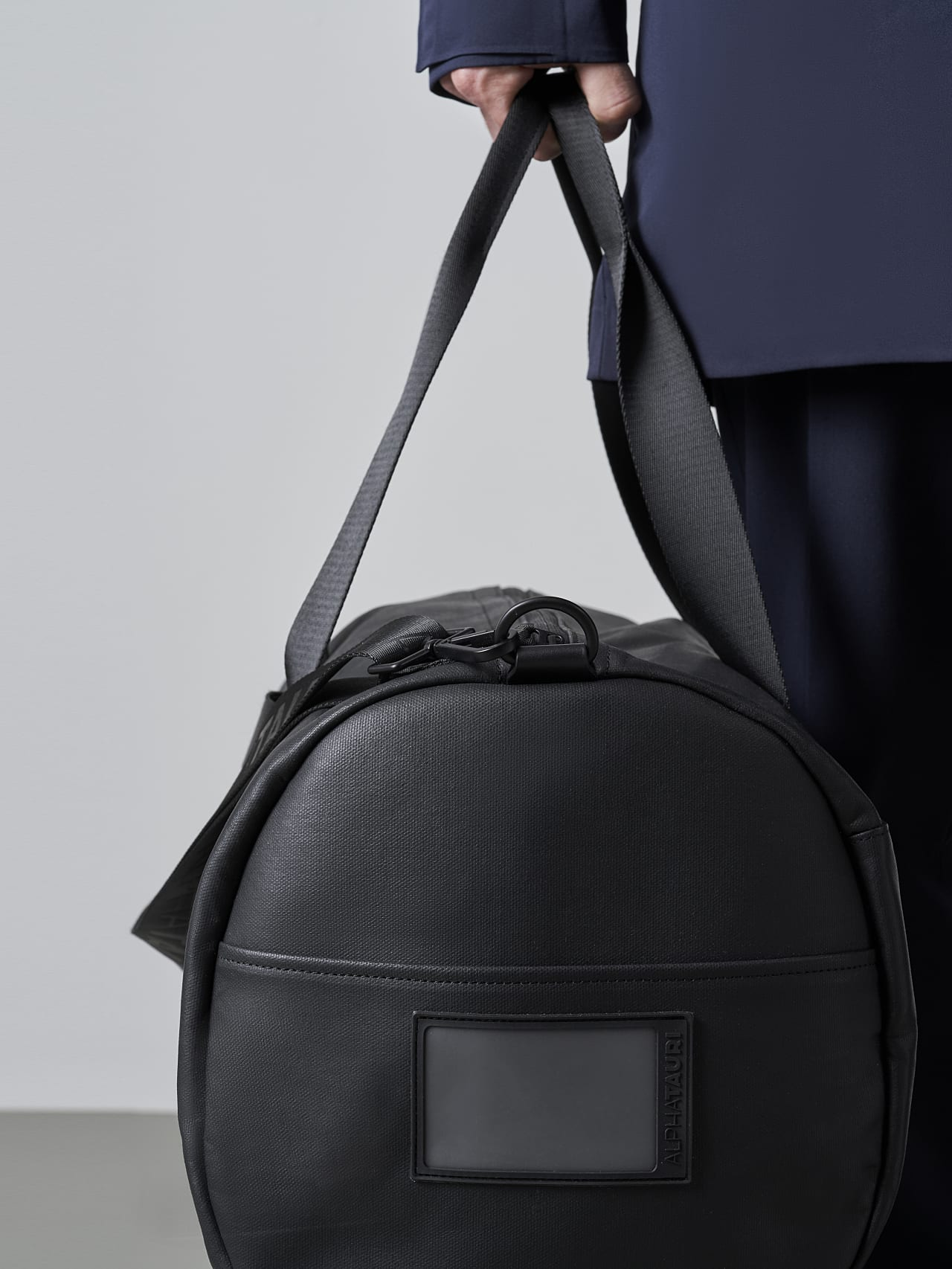 AWEE V4.Y5.02 Water-Repellent Duffle Bag dark grey / anthracite Front Alpha Tauri