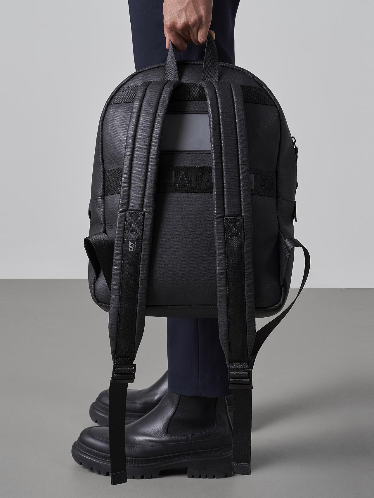 AREKK V2.Y5.02 Water-Repellent Backpack dark grey / anthracite Model shot Alpha Tauri