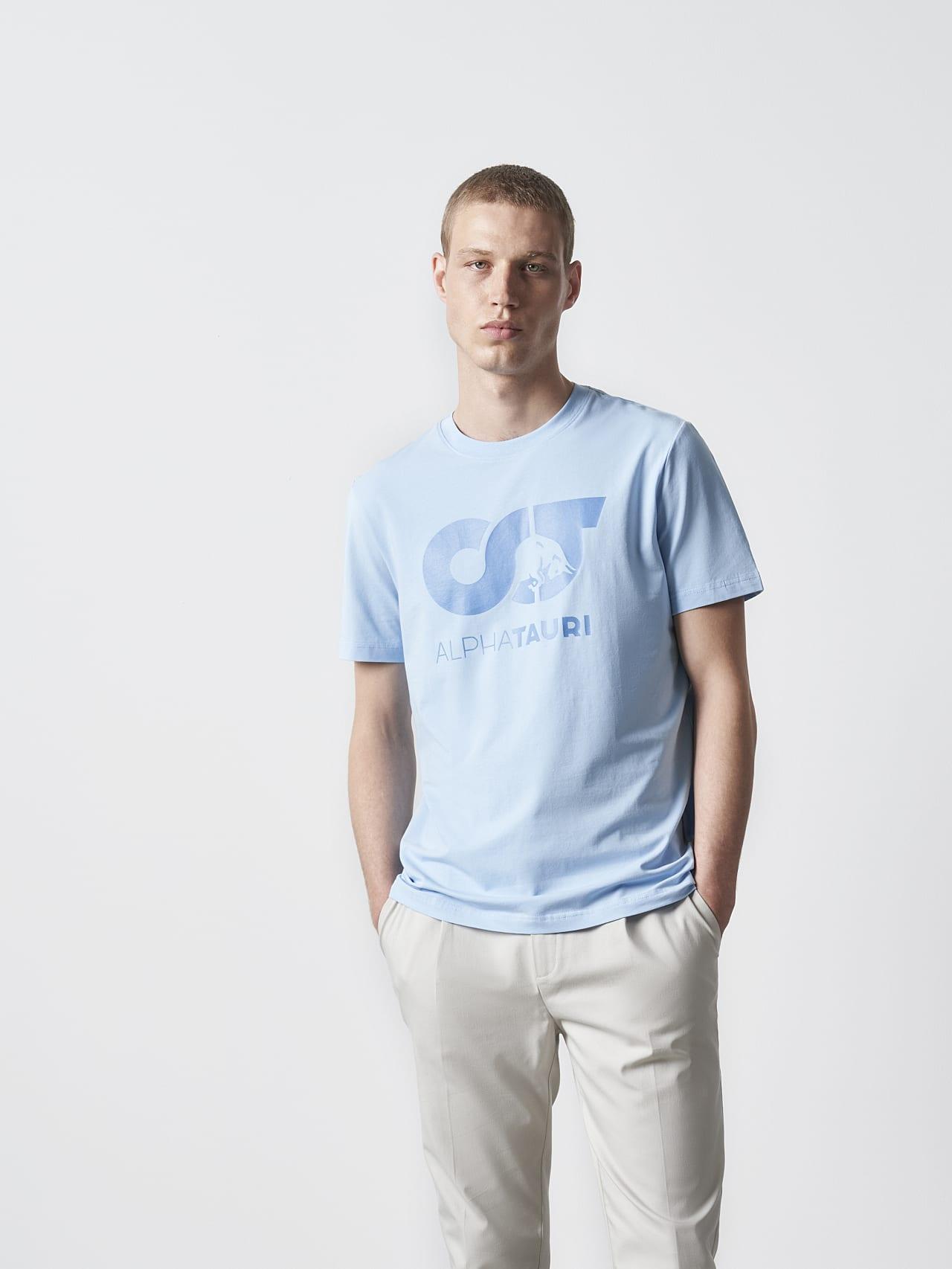 JERO V2.Y4.02 Signature Logo T-Shirt light blue Model shot Alpha Tauri