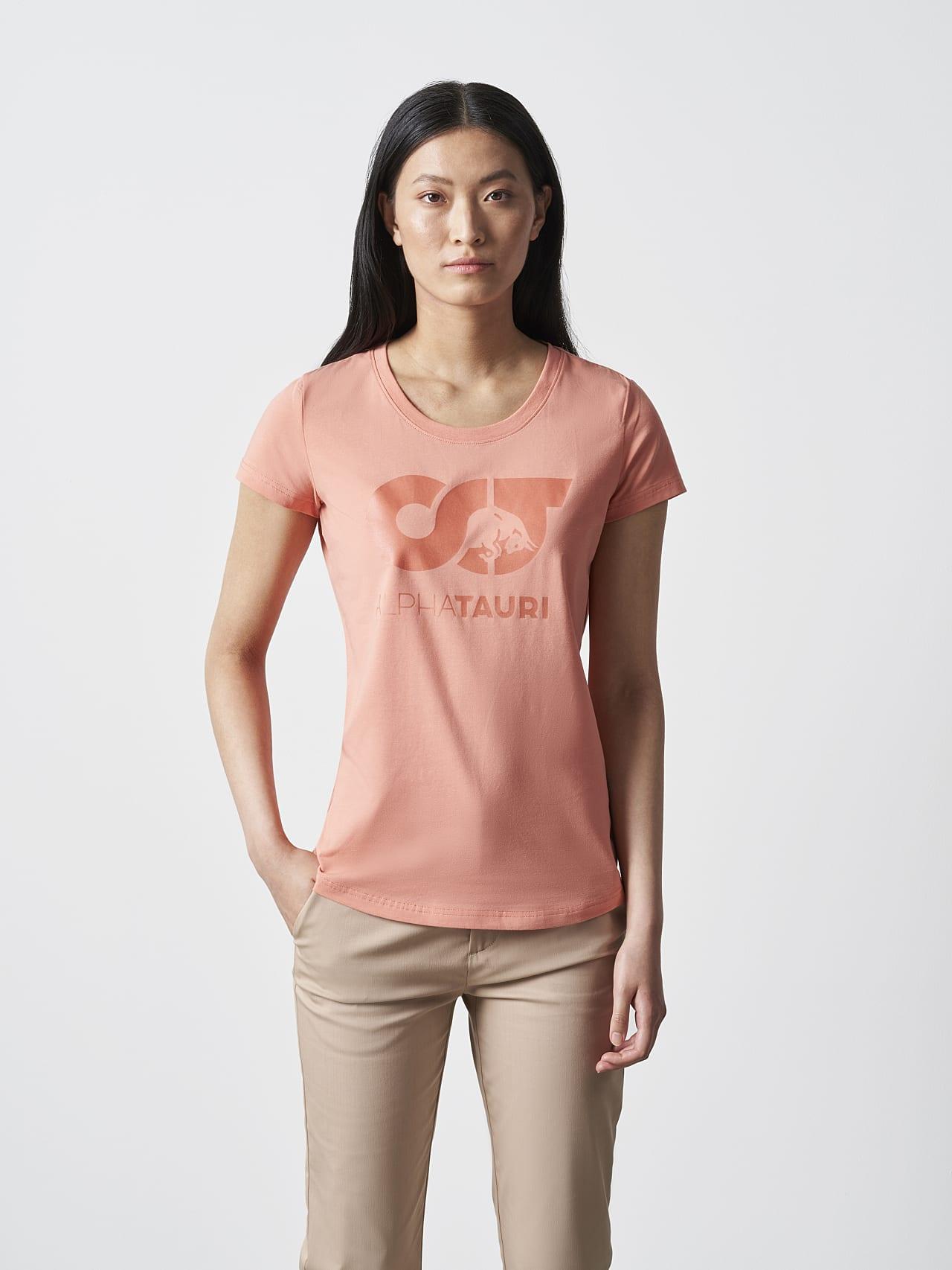 JERU V2.Y4.02 Signature Logo T-Shirt coral Model shot Alpha Tauri