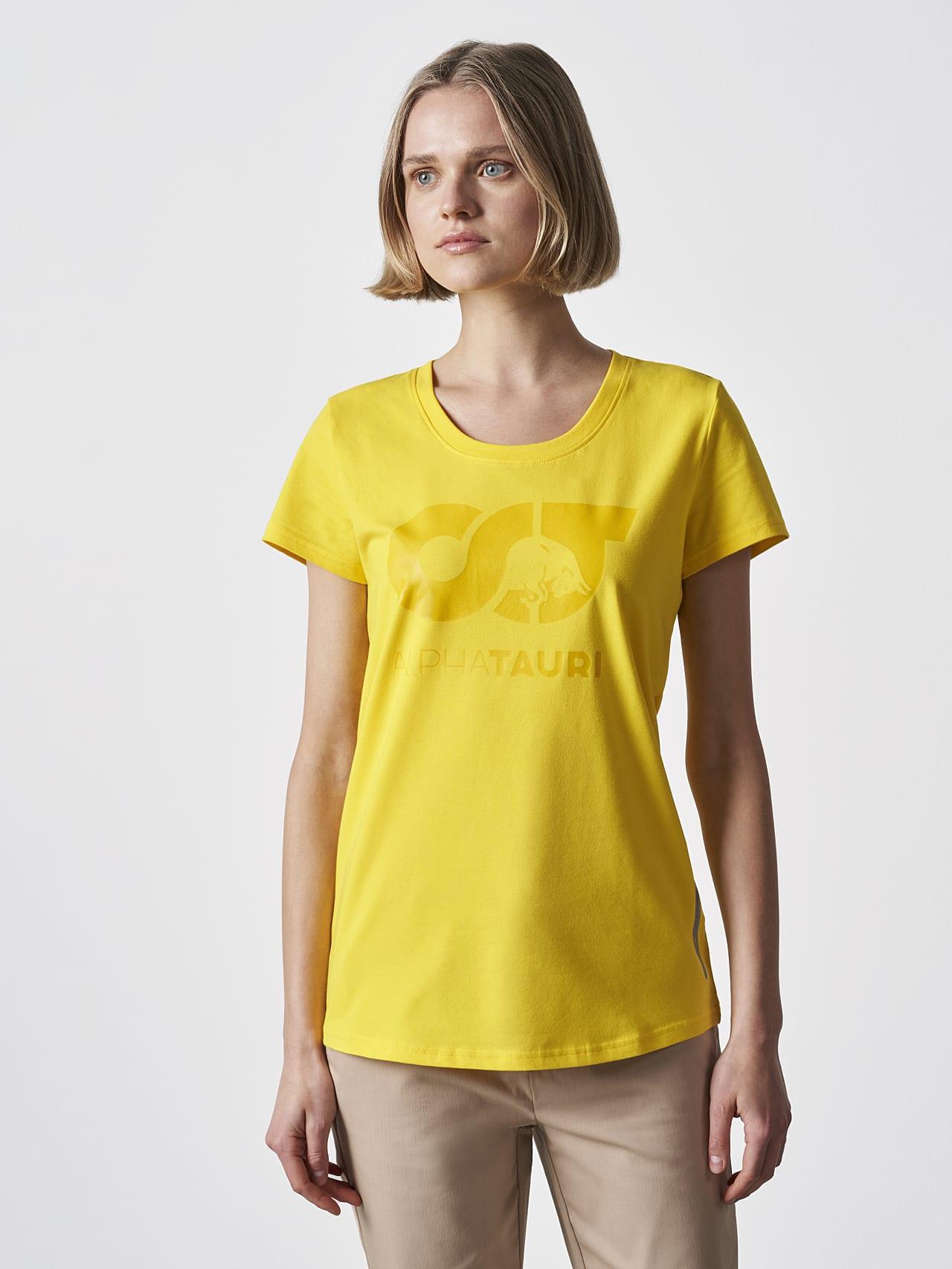 JERU V2.Y4.02 Signature Logo T-Shirt yellow Model shot Alpha Tauri